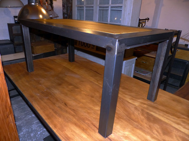 Table basse industrielle m tal et bois cr ation meuble for Meuble antiquite