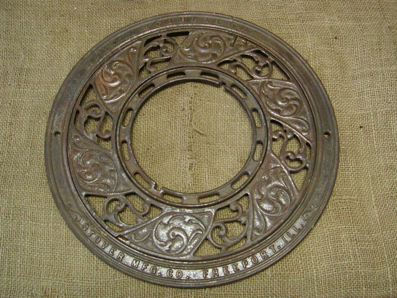 Vintage Ornate Cast Iron Register Grate > Antique Old Shabby Round Garden 6679