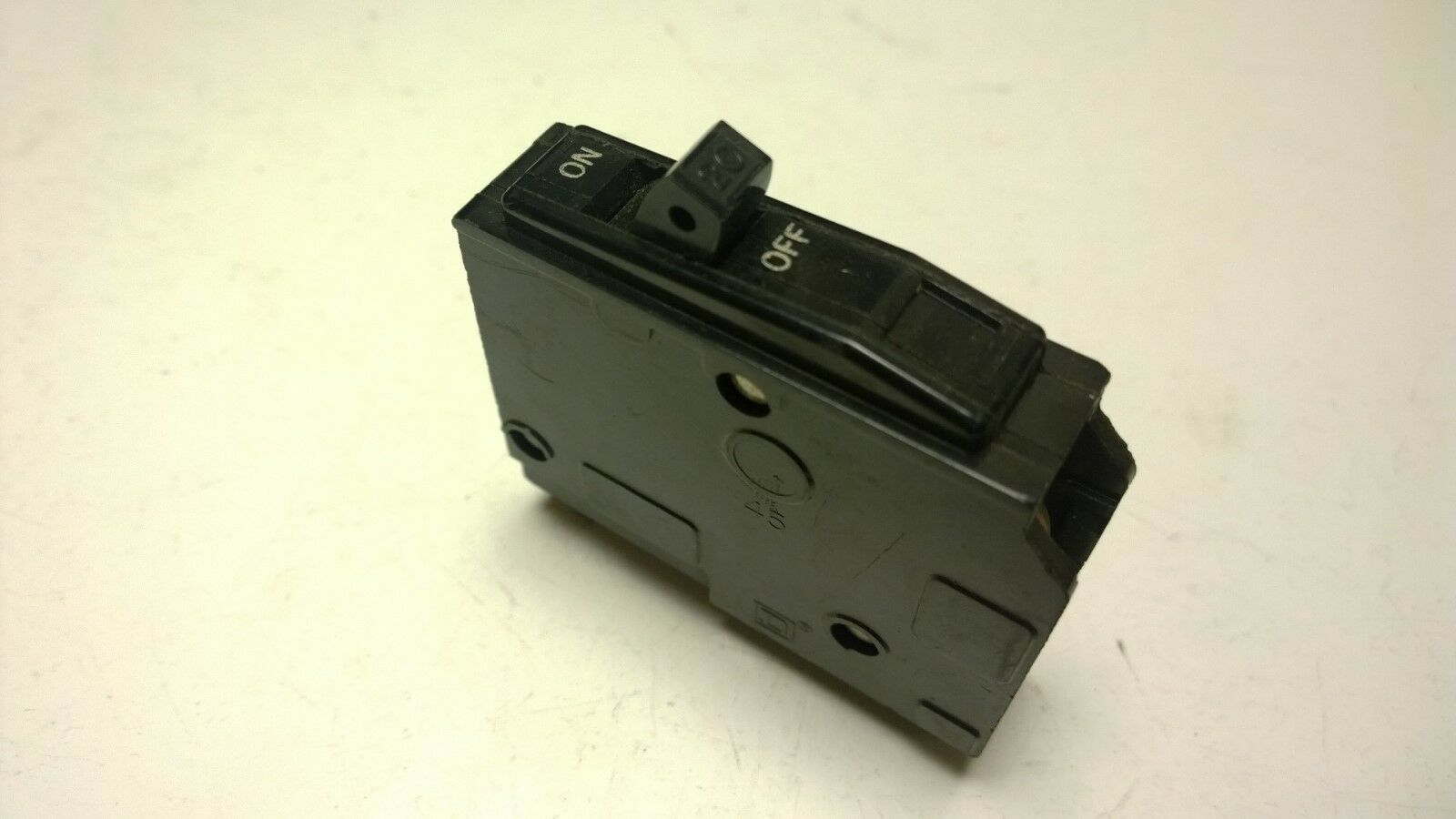 Square D Circuit Breaker Qo120 Qo 120 20 Amp 1 Pole Plug On Older Arc Fault 15 240 Volt Ac 1pole Plugon Style Of 2only 4 Available