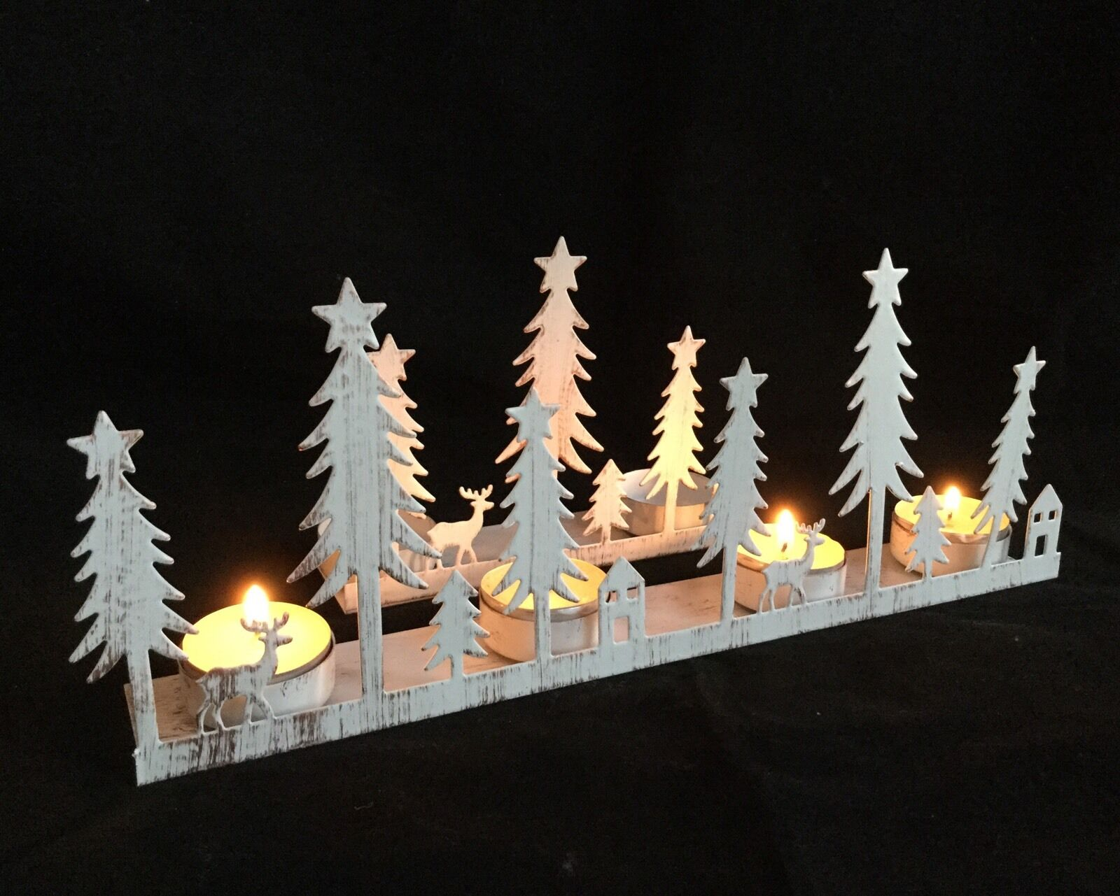 Christmas snow scene reindeer candle holder tea light for 7 candle christmas decoration