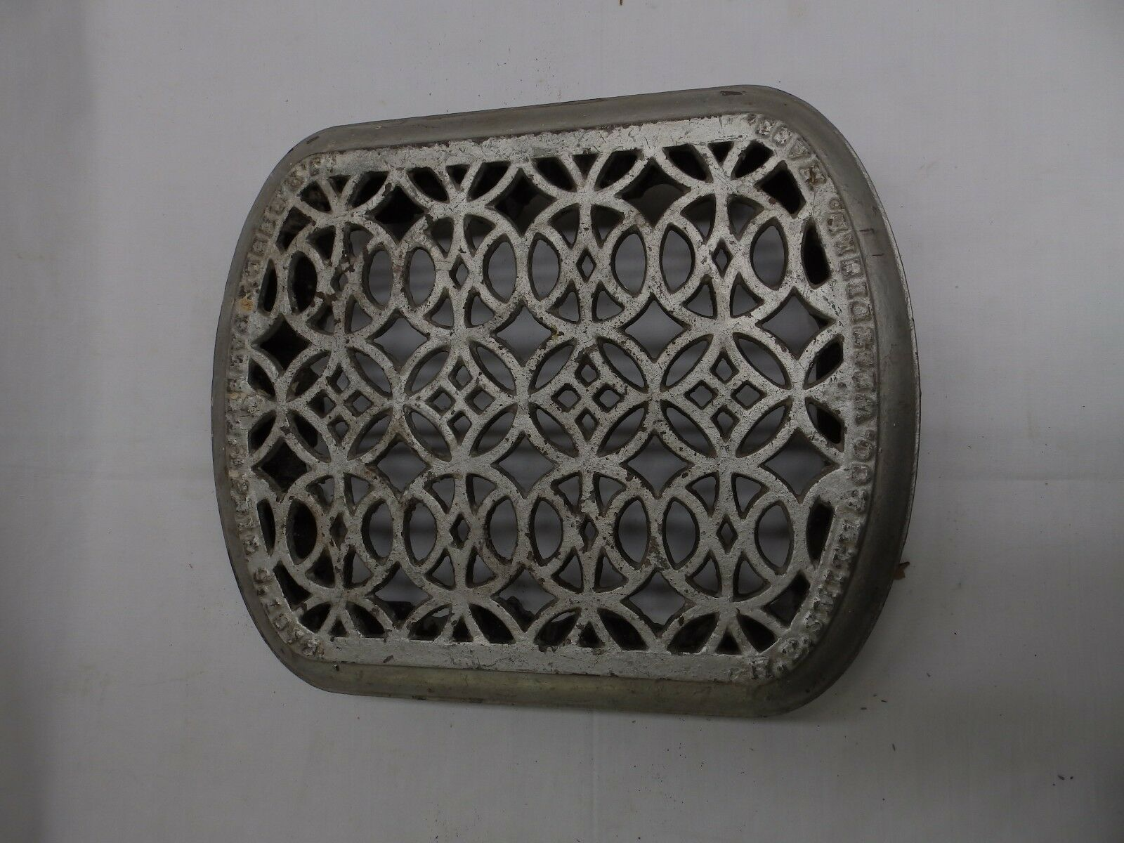 Small  Antique Cast Iron Radiator Cover Decorative Old Vintage Hardware 4919-15