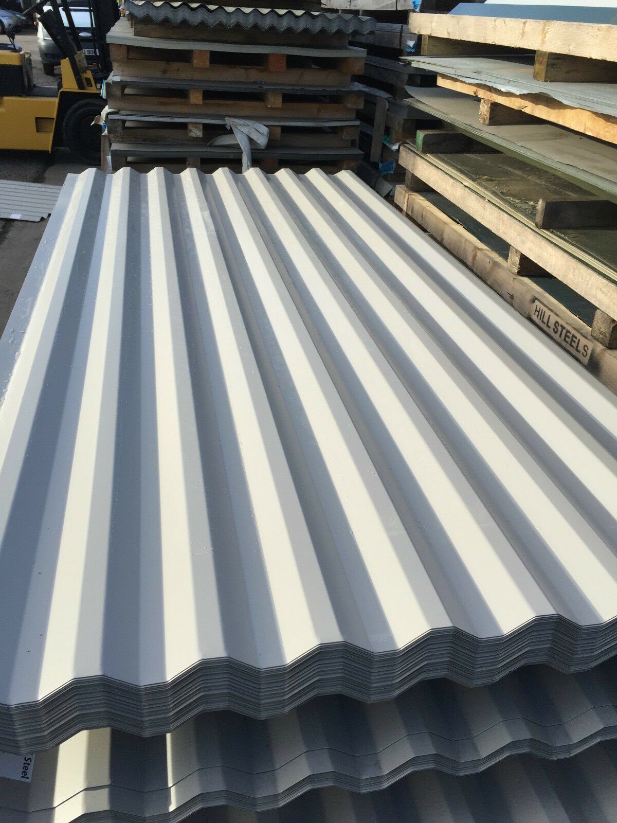Box profile 26 1000 steel roofing sheets metal roof sheets for Cheapest way to roof a house