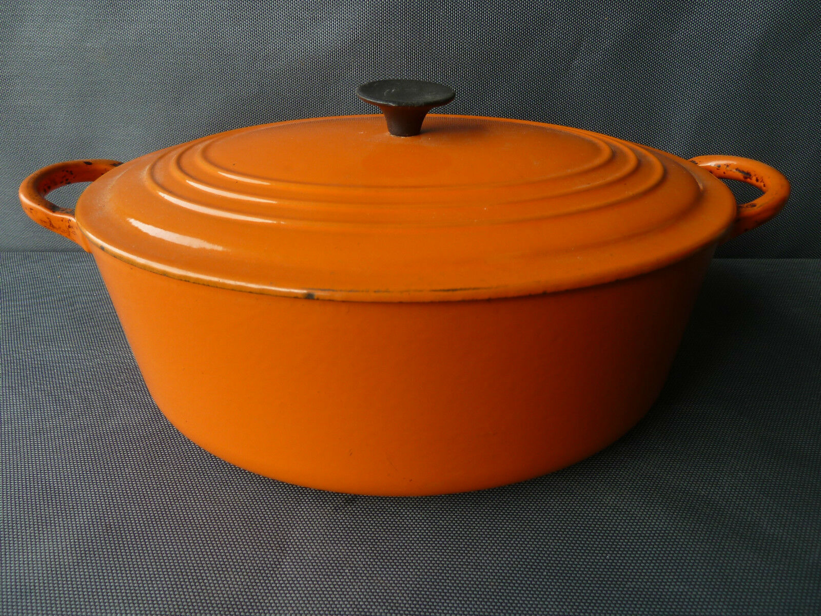 ancienne cocotte en fonte le creuset cuisine vintage orange french antique eur 69 90 picclick fr. Black Bedroom Furniture Sets. Home Design Ideas