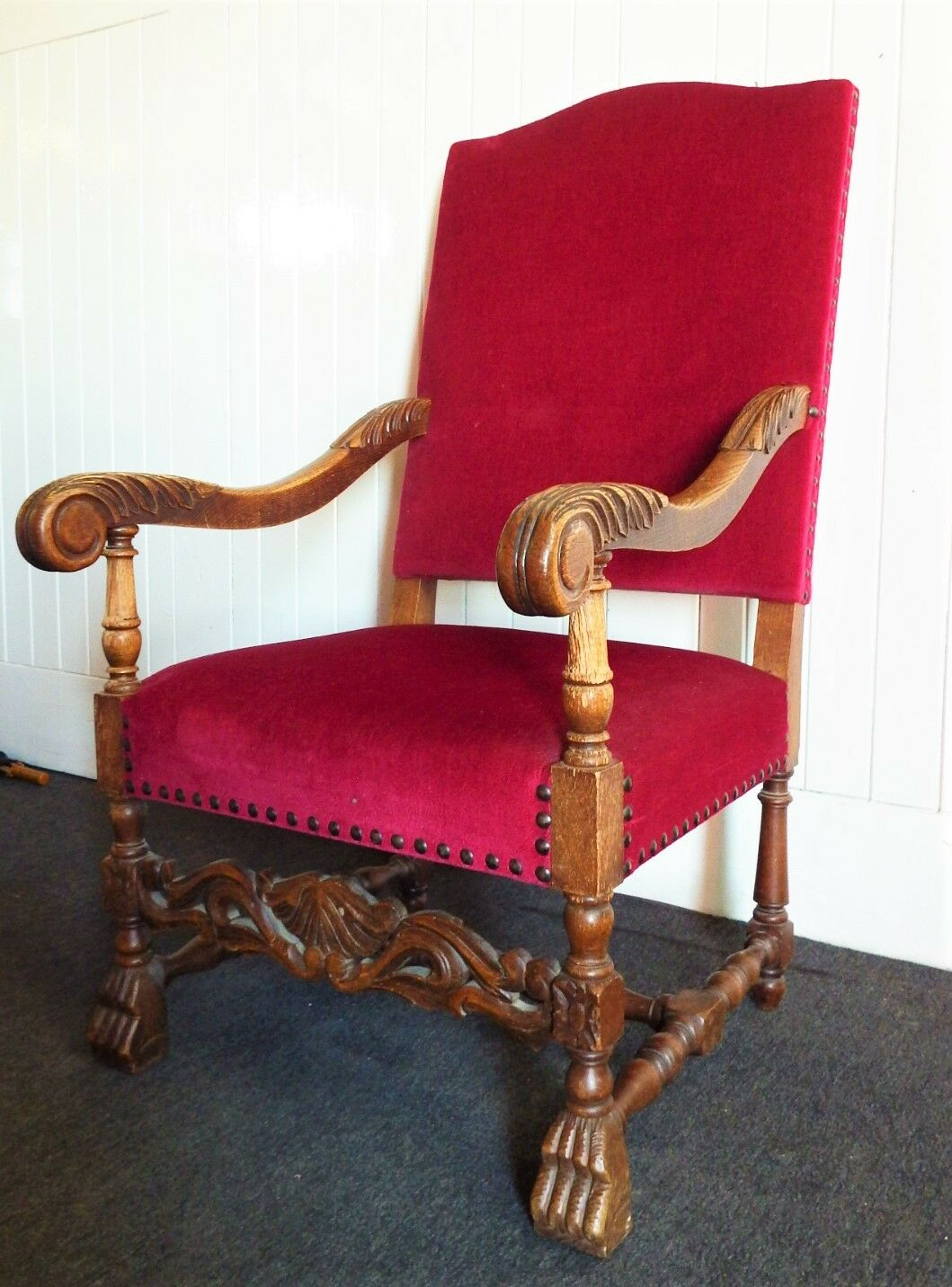 Large Antique carved armchair / arm chair / throne chair