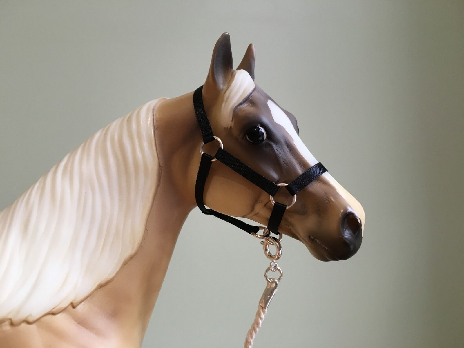 how to make a breyer horse halter