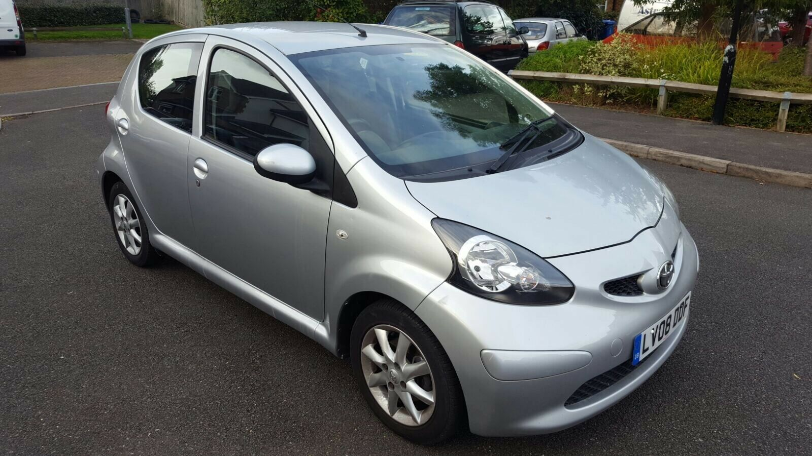 2008 toyota aygo 1 0 vvt i platinum 5dr low mileage superb drive bargain 2 picclick uk. Black Bedroom Furniture Sets. Home Design Ideas