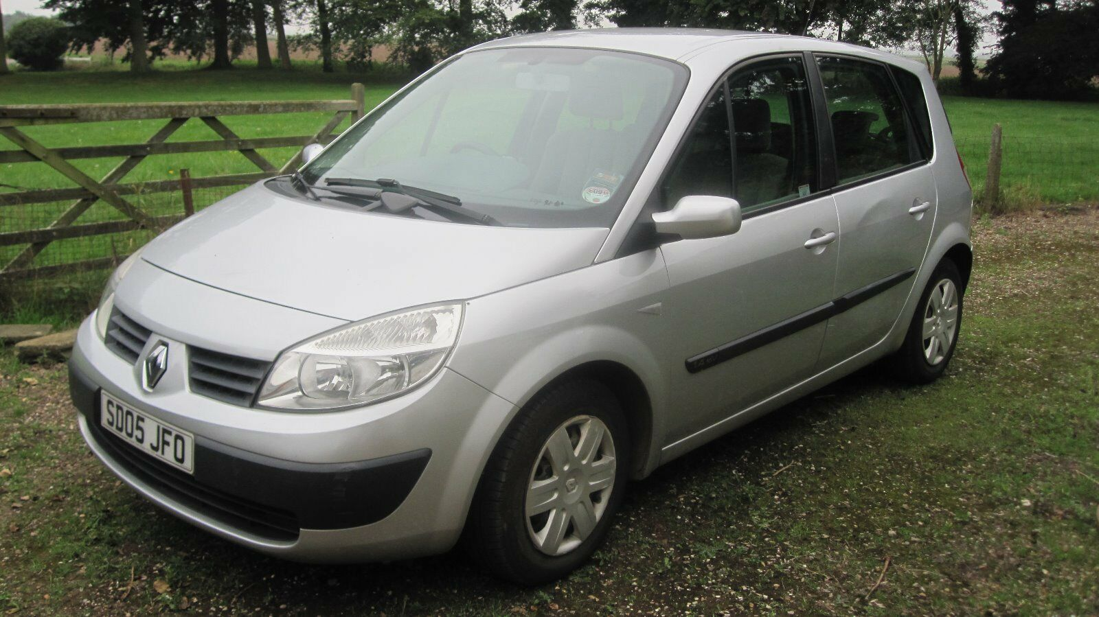 renault scenic 2005 very low mileage picclick uk. Black Bedroom Furniture Sets. Home Design Ideas