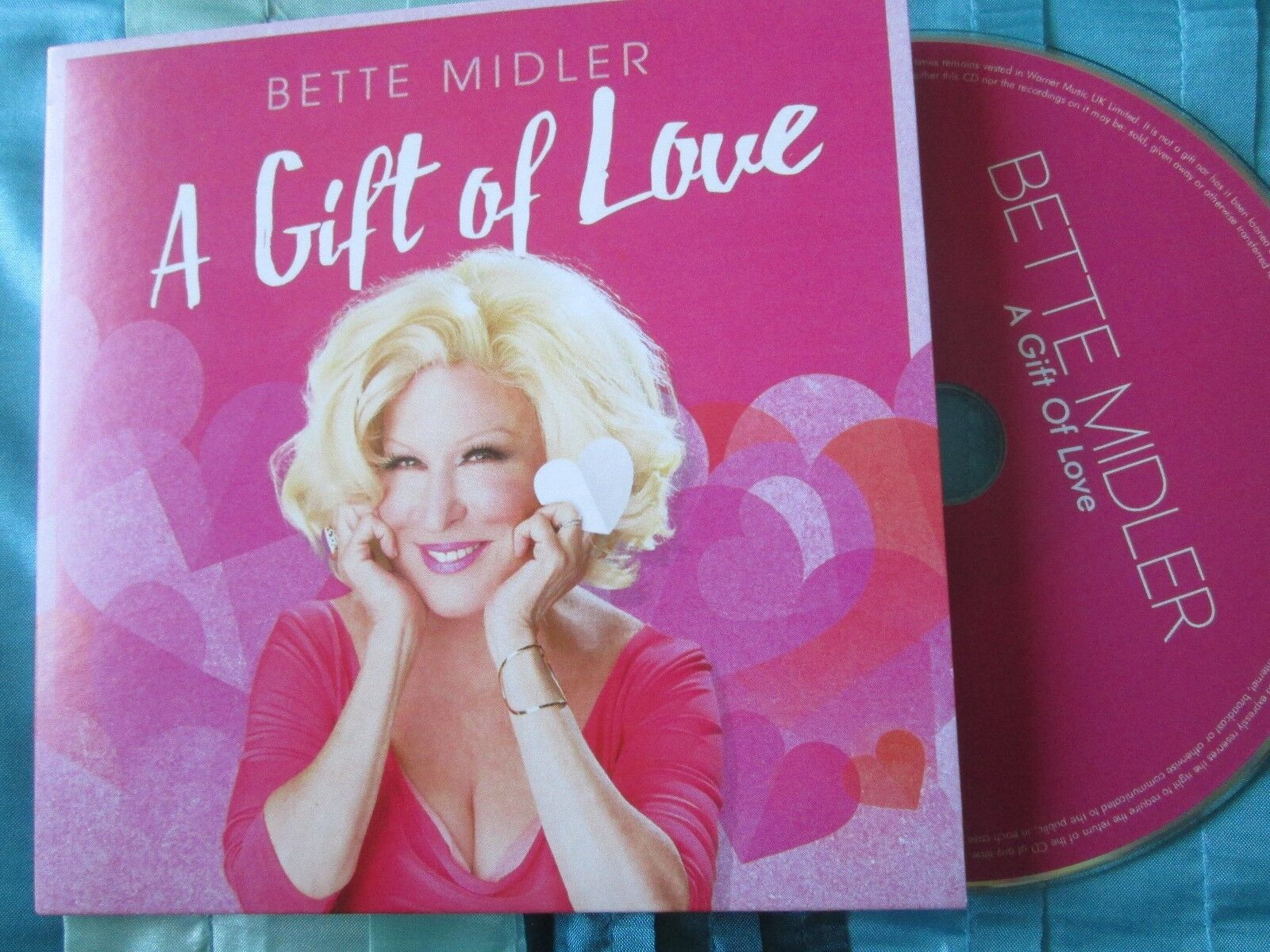 Rhino Records to Release Bette Midler's The Divine Miss M: Deluxe Edition' with Unreleased Demos, New Liner Notes