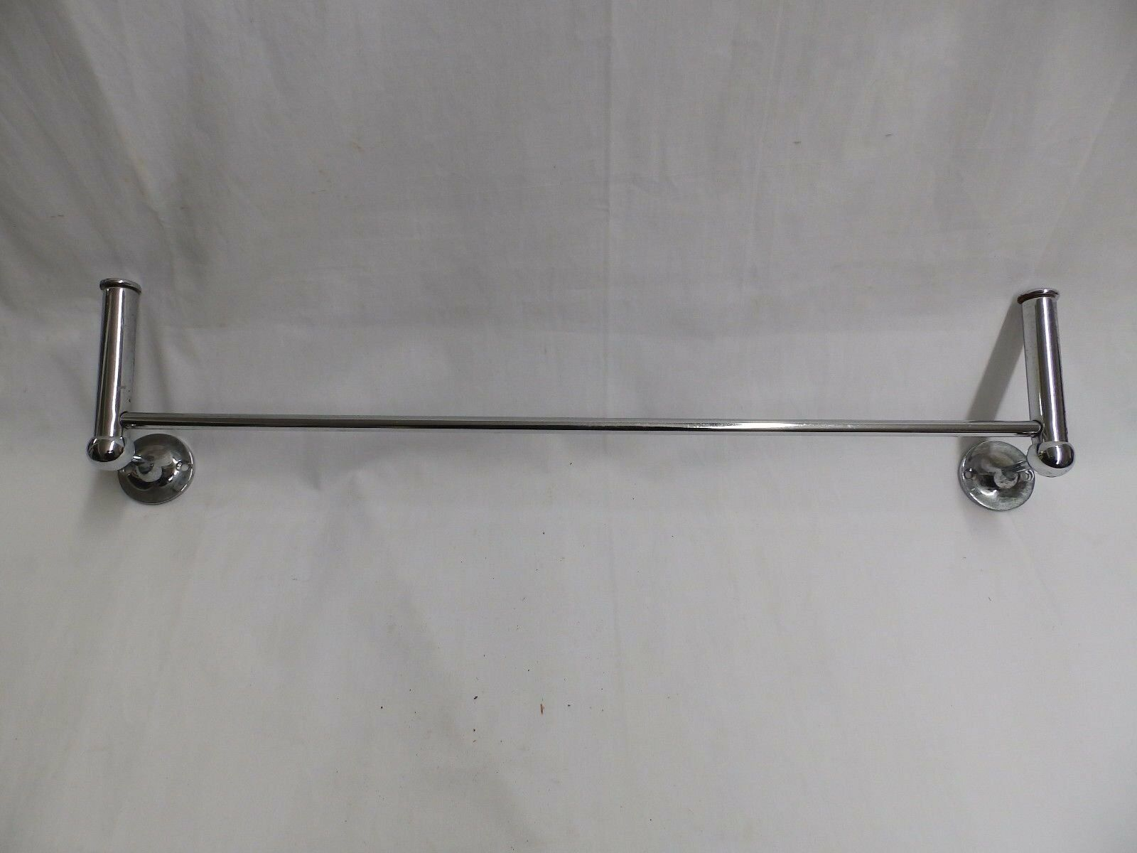 Vintage Chrome Towel Bar Robe Hooks Old Bathroom Hardware Closet 4145-15