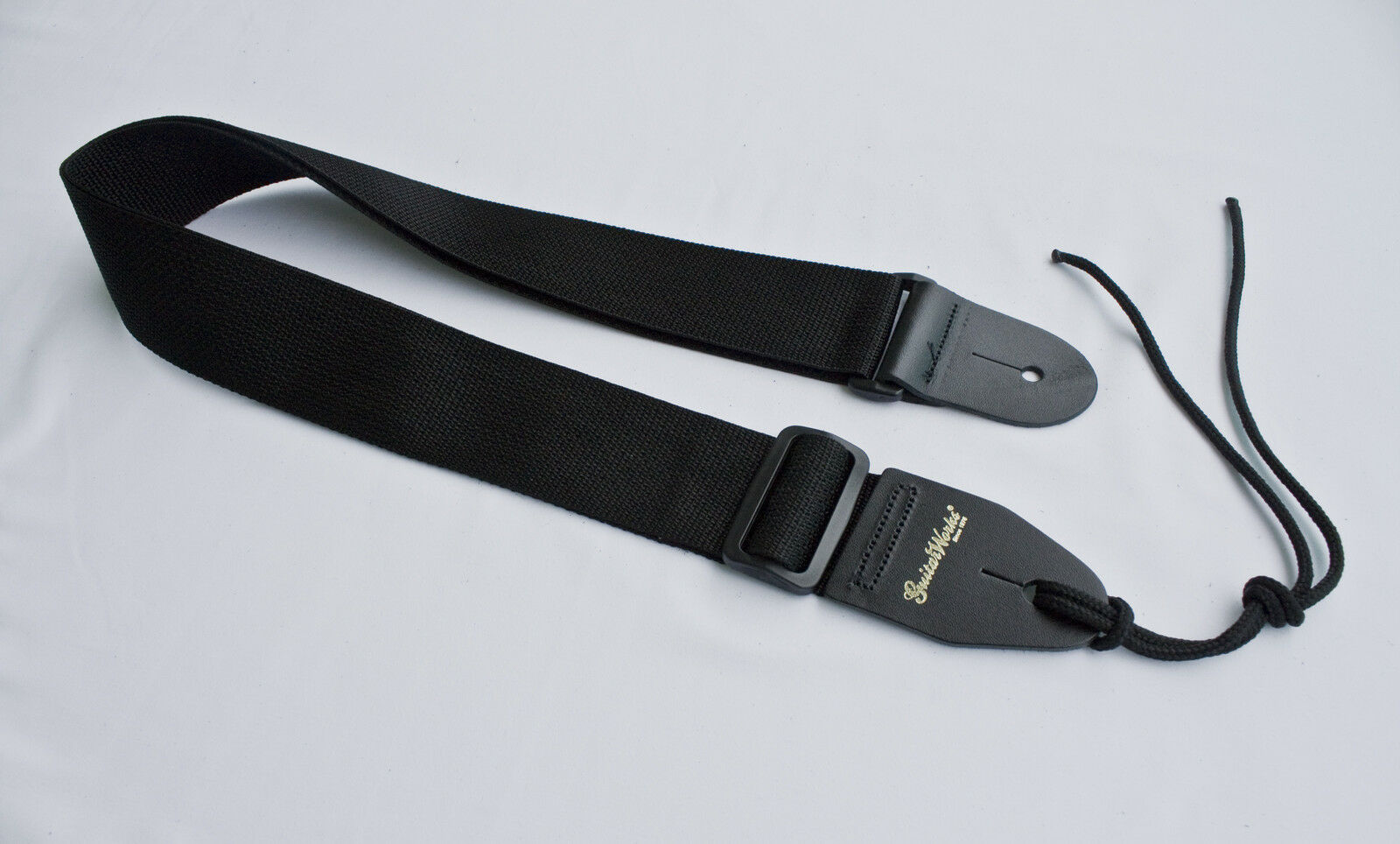 how to put on guitar strap electric
