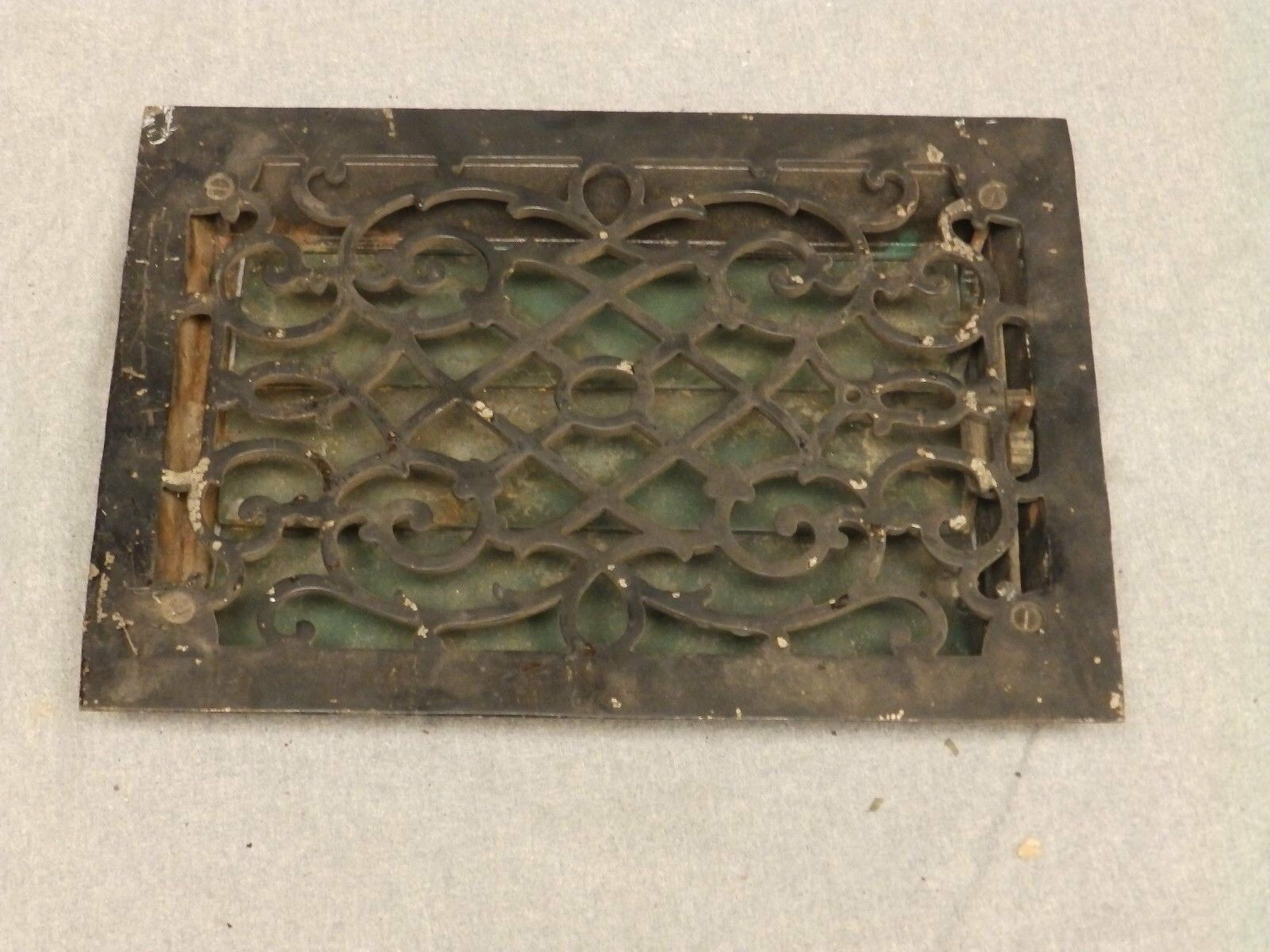 Antique Cast Iron Victorian Heat Grate Register Vent Old Vtg Hardware 616-16