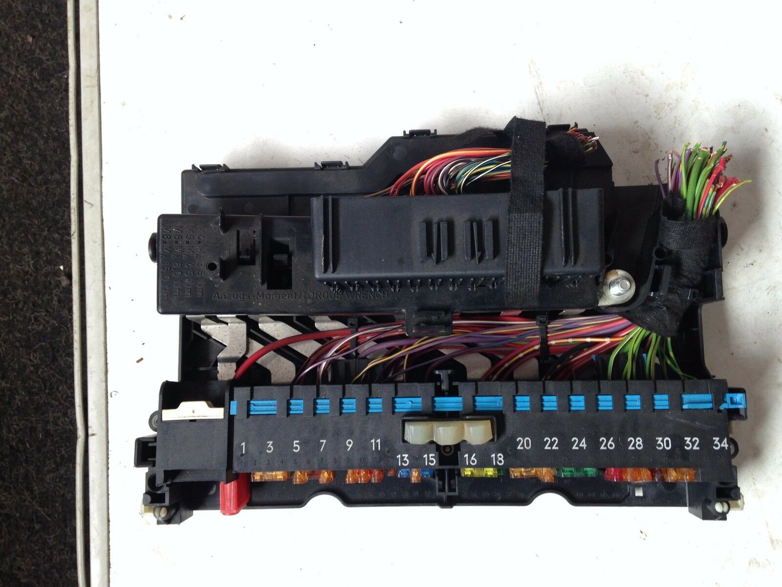 Bmw 320d E46 Interior Power Distribution Fuse Box 8364540 2155 1 Of 1only Available