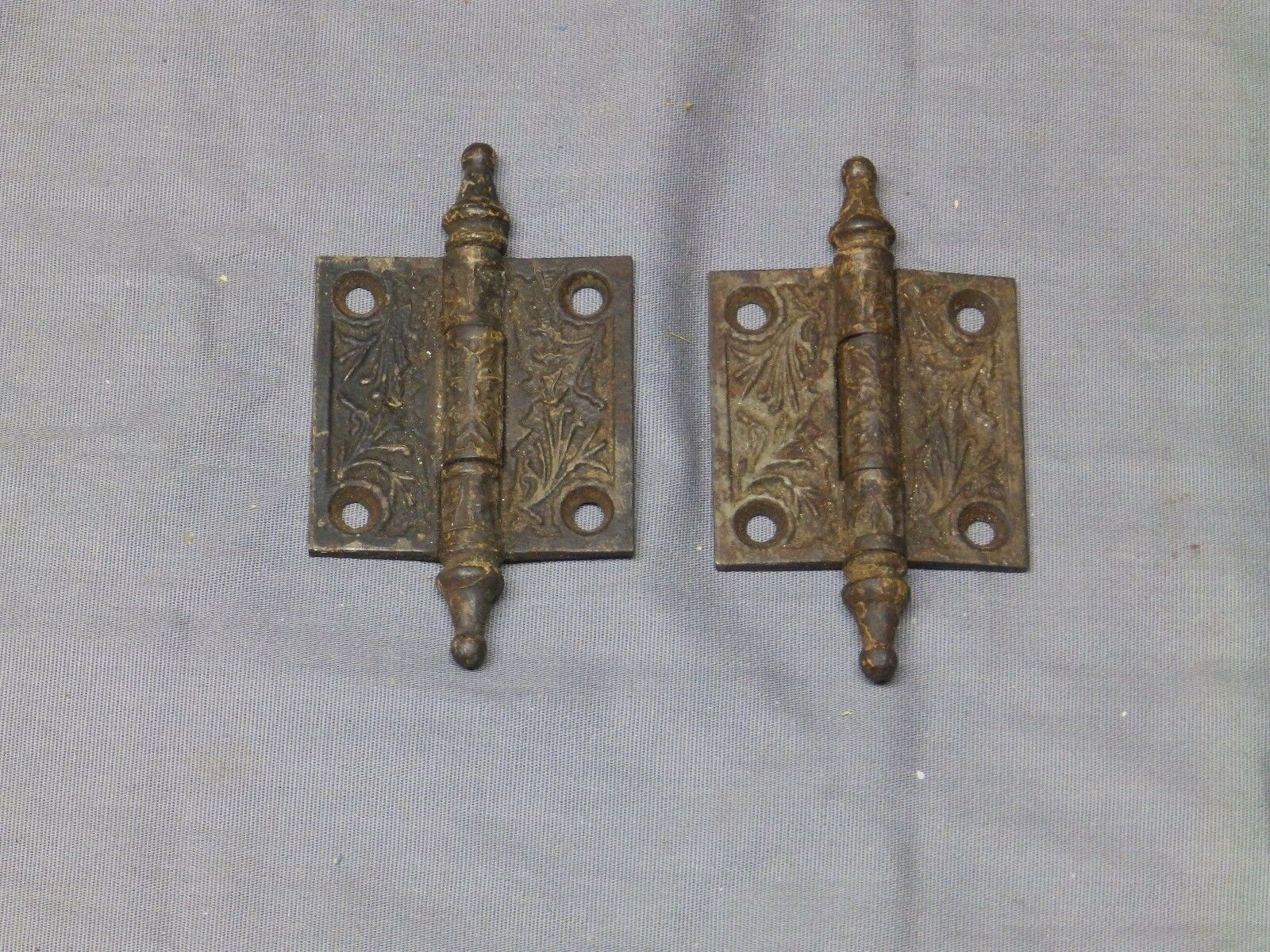 Small Pr Antique Cast Iron Door Steeple Point Cabinet Door Hinges Vtg 2212-16