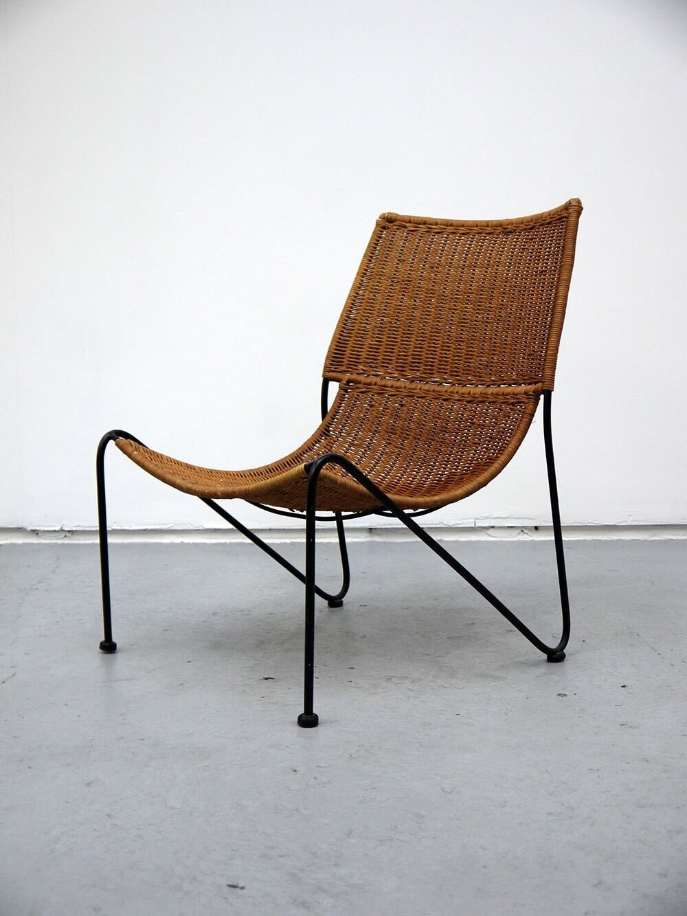 Mid century frederick weinberg rattan lounge chair retro for Vintage 70s chair