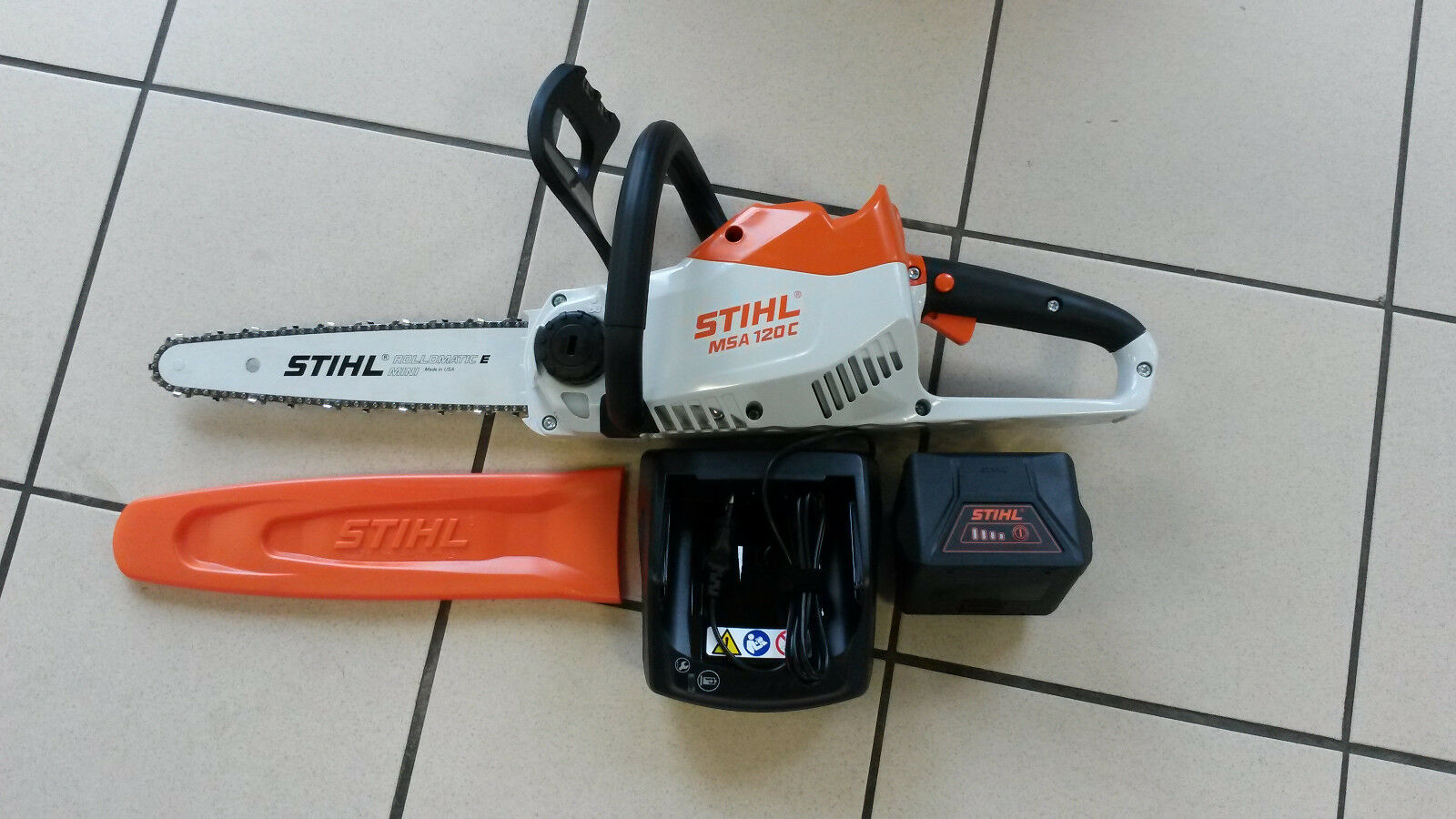 stihl msa 120 c bq akku motors ge s ge kettens ge inkl akku u ladeger t eur 295 00 picclick de. Black Bedroom Furniture Sets. Home Design Ideas