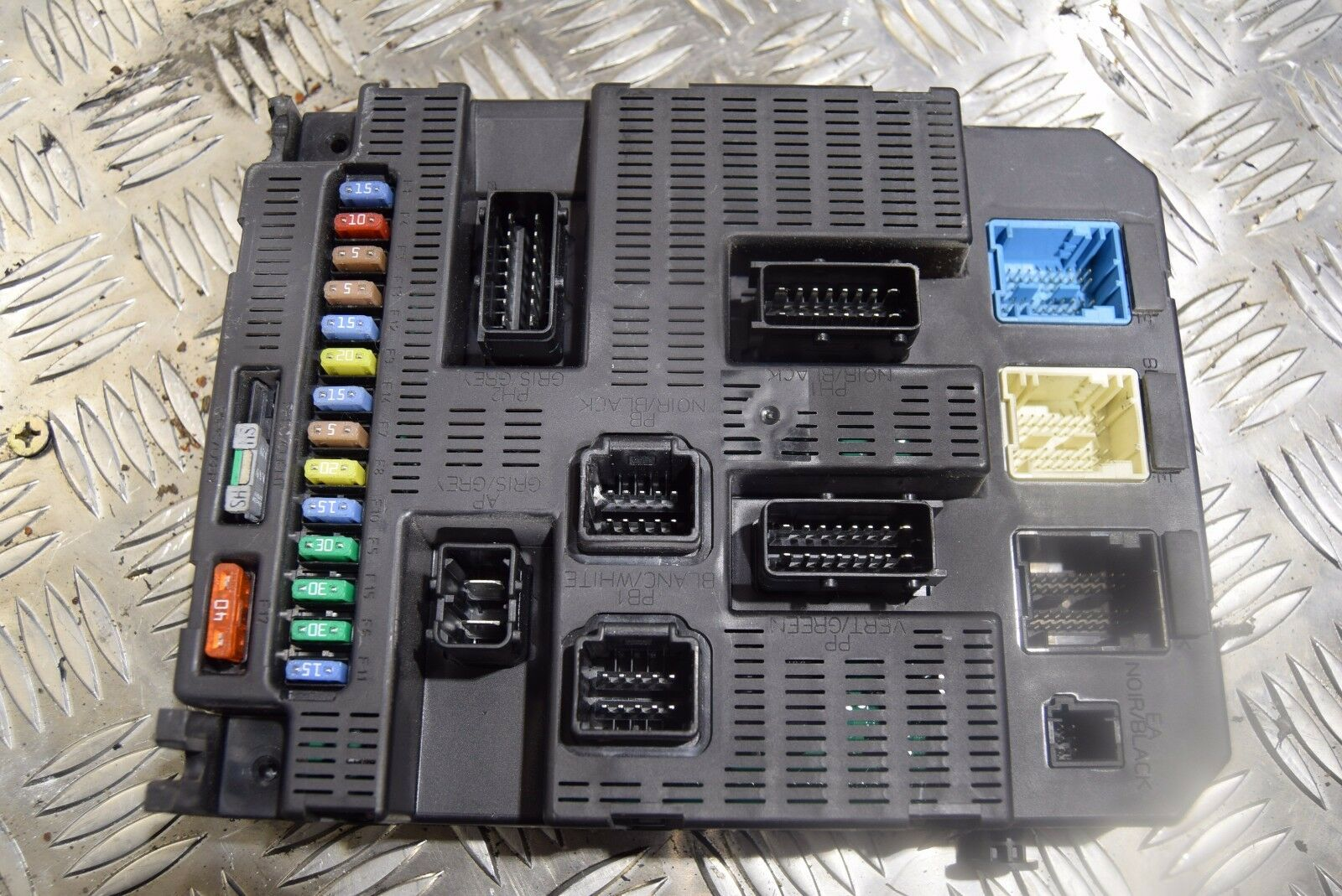 Dispatch Scudo Expert 20 Hdi Fusebox 9659285480 L1 3c 4999 Fuse Box Peugeot Van 1 Of 4only Available