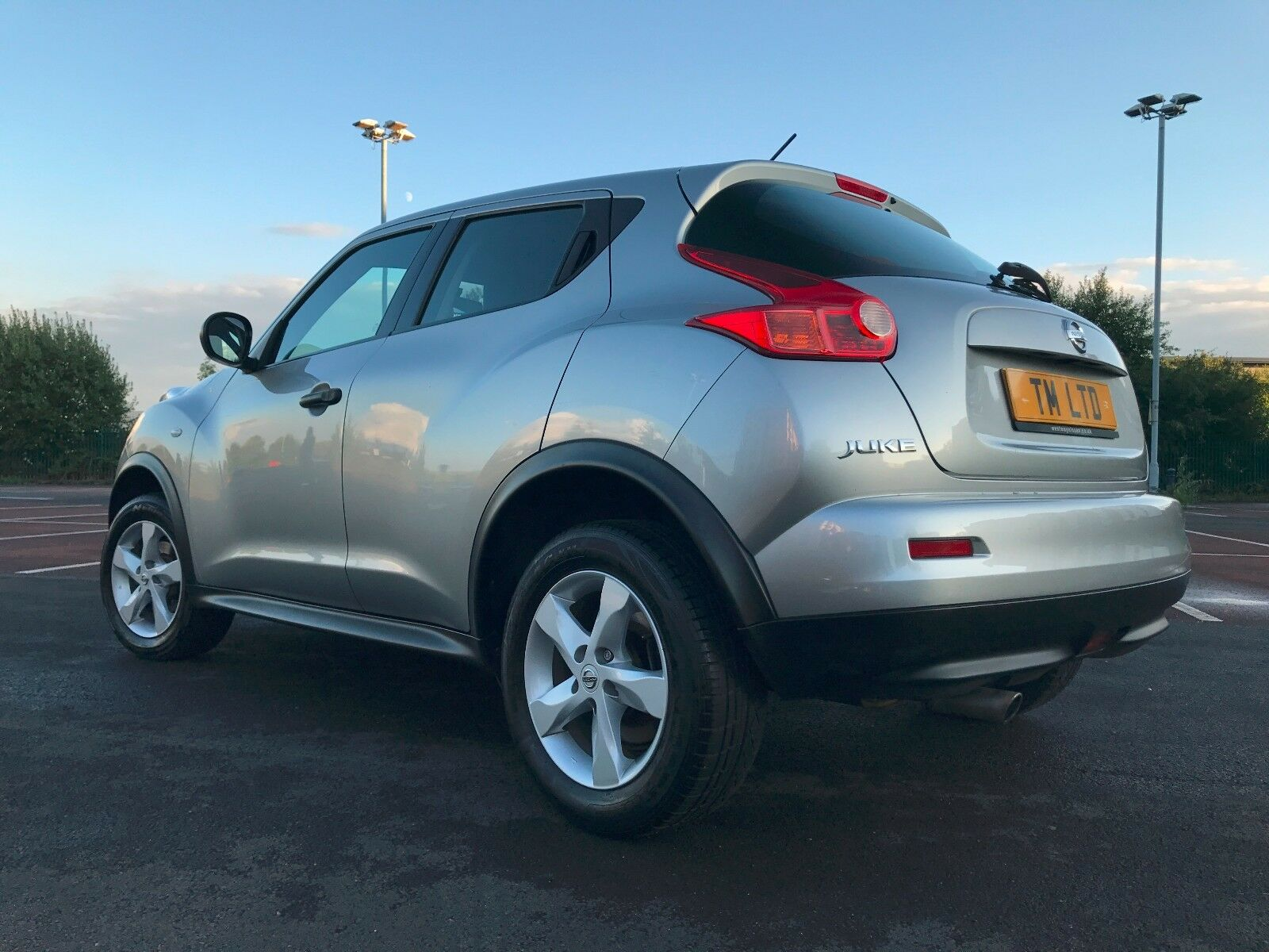 2010 60 nissan juke 1 6 visia silver petrol 72k 10 months mot bargain excellent 3. Black Bedroom Furniture Sets. Home Design Ideas