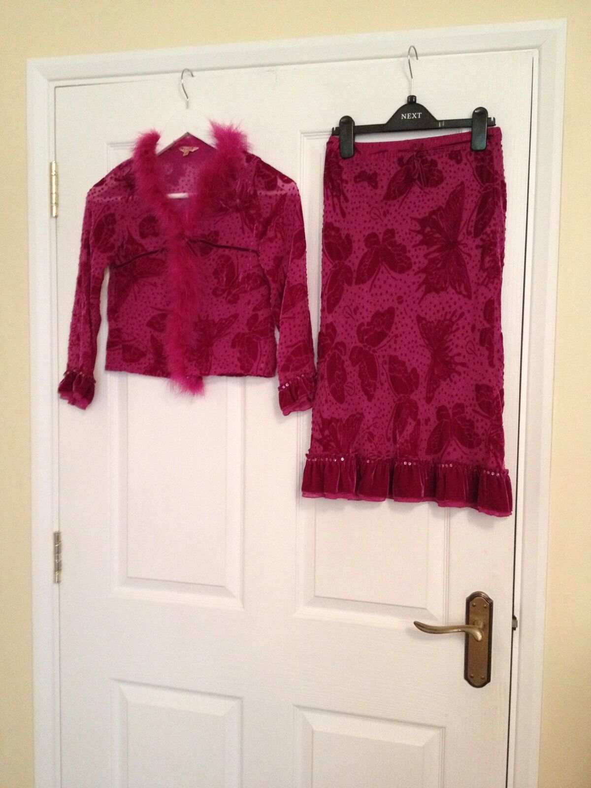 Beautiful purple silk Monsoon Age 8-10 Suit. Gorgeous colour cute and feathers.