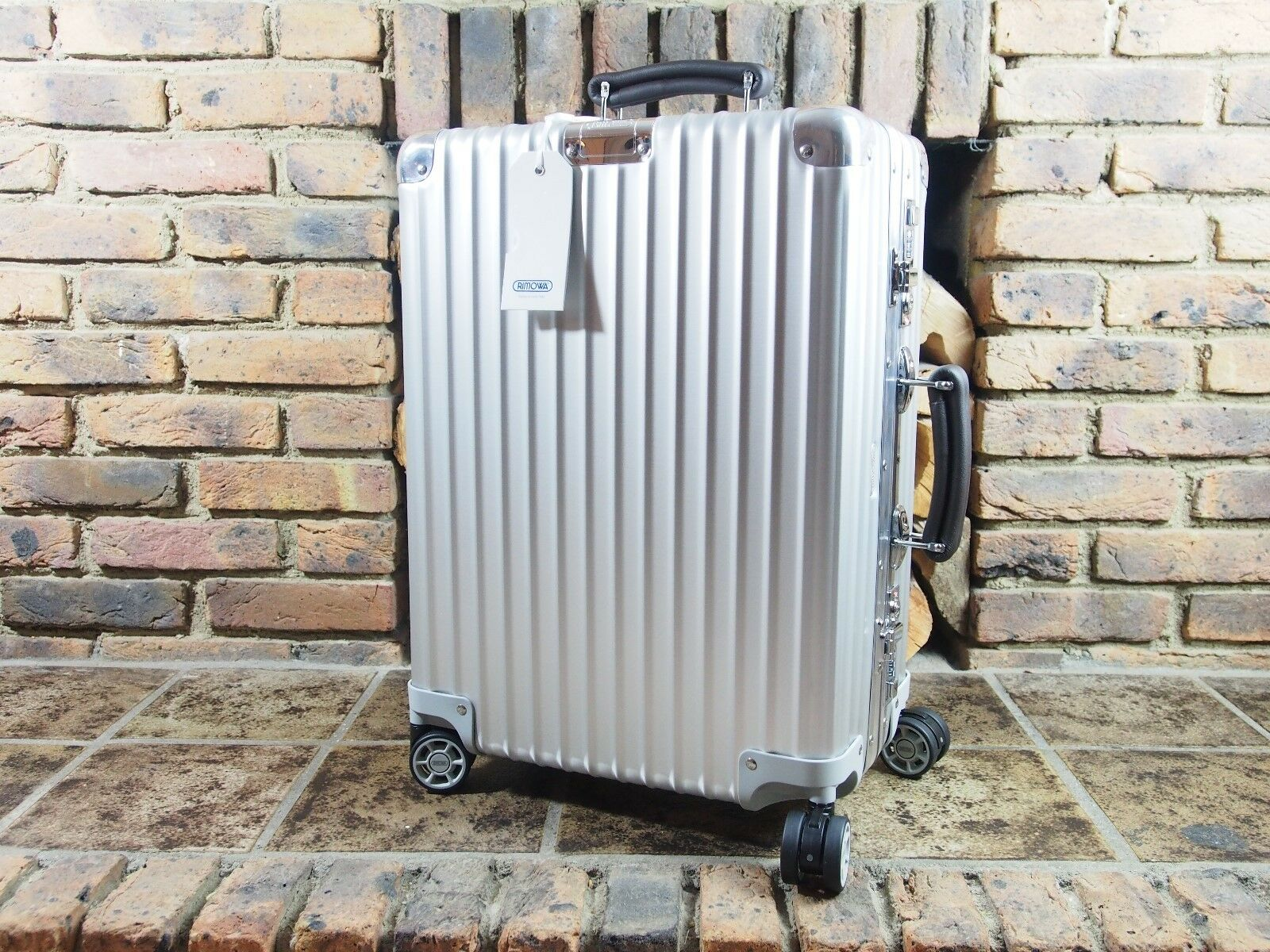 rimowa classic flight cabin multiwheel 35l carry on iata. Black Bedroom Furniture Sets. Home Design Ideas