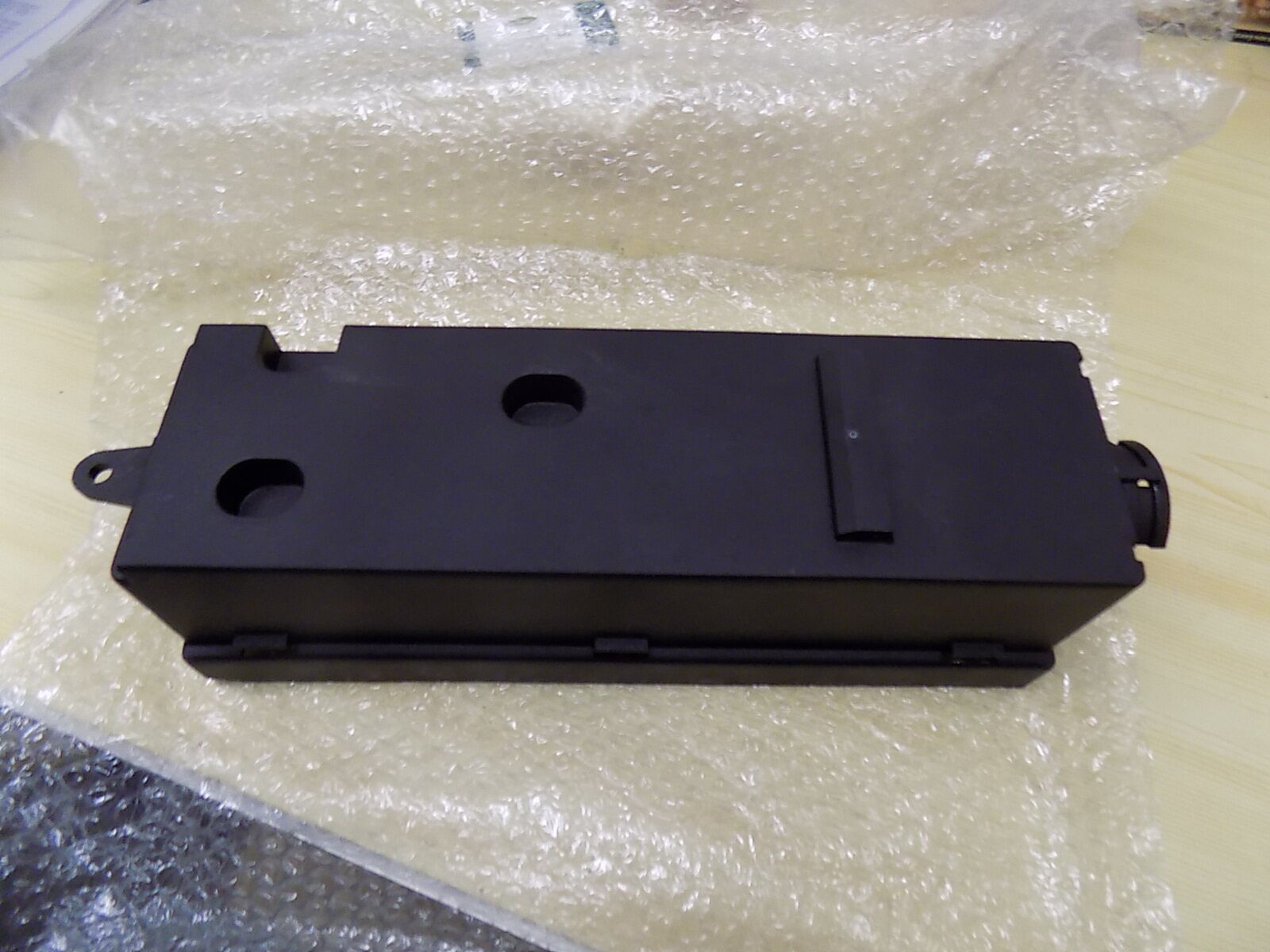 Genuine Land Rover Discovery 3 Engine Fuse Box Housing Ypp500080 1 Location Of 1only Available