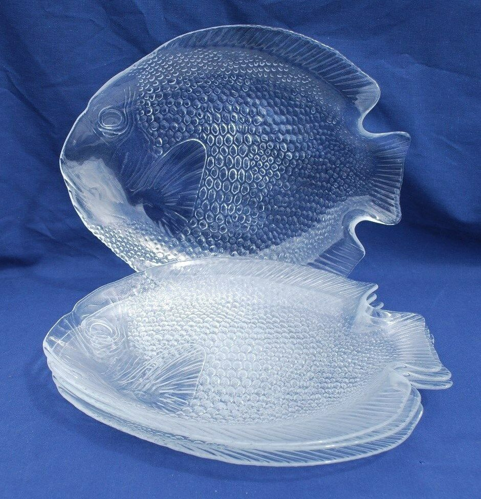 Four 4 arcoroc france fish shaped 10 glass plates for Fish shaped plates
