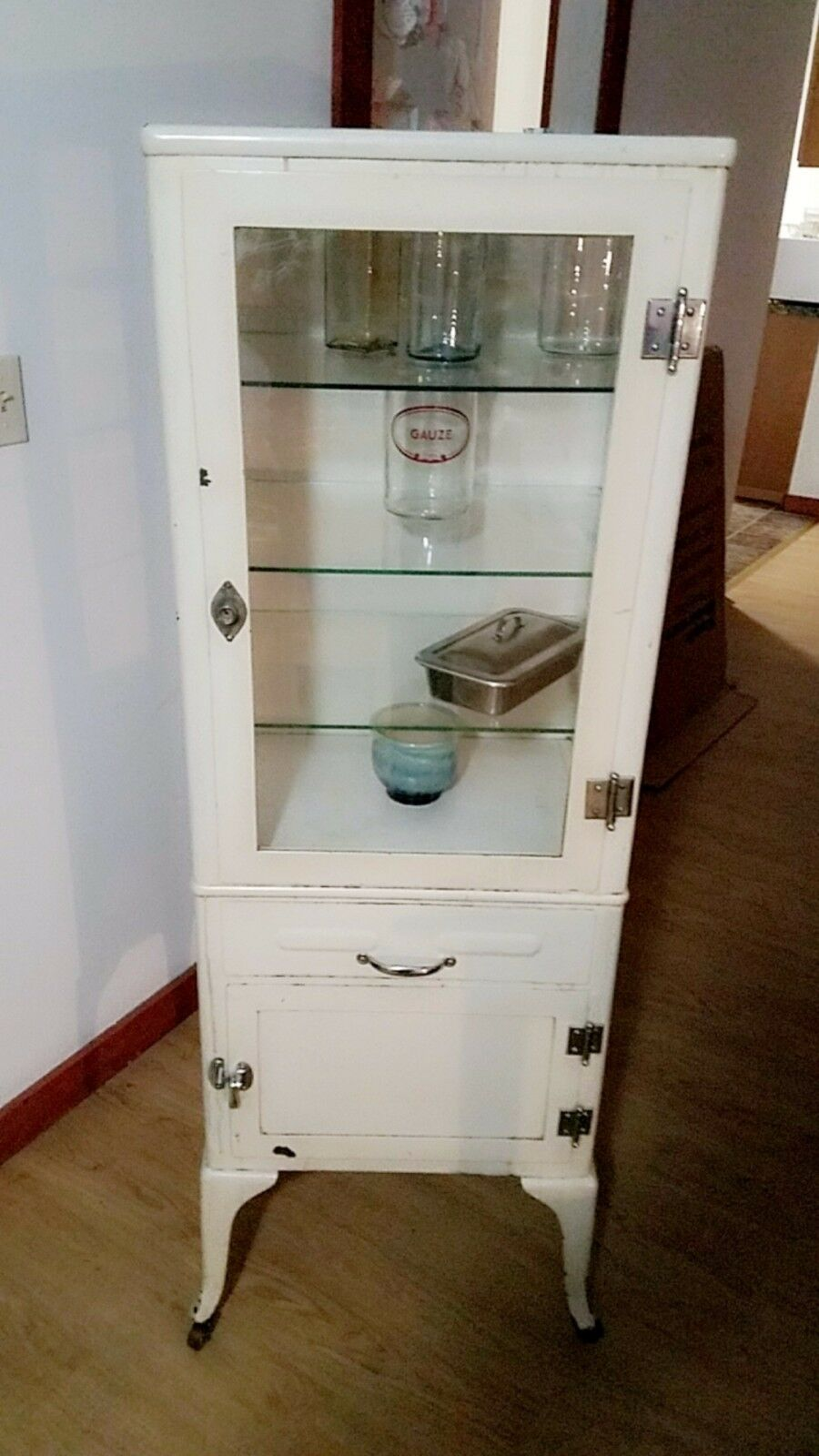 Off white antique medicine cabinet 3 glass shelves farley good condition 1  of 2Only 1 available ... - OFF WHITE ANTIQUE Medicine Cabinet 3 Glass Shelves Farley Good