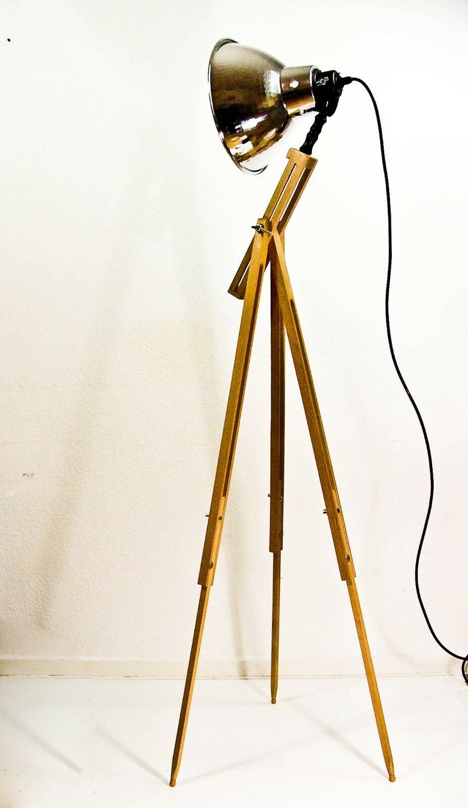 stativ design lampe tripod stehlampe im industrie retro stil 70 er picclick de. Black Bedroom Furniture Sets. Home Design Ideas