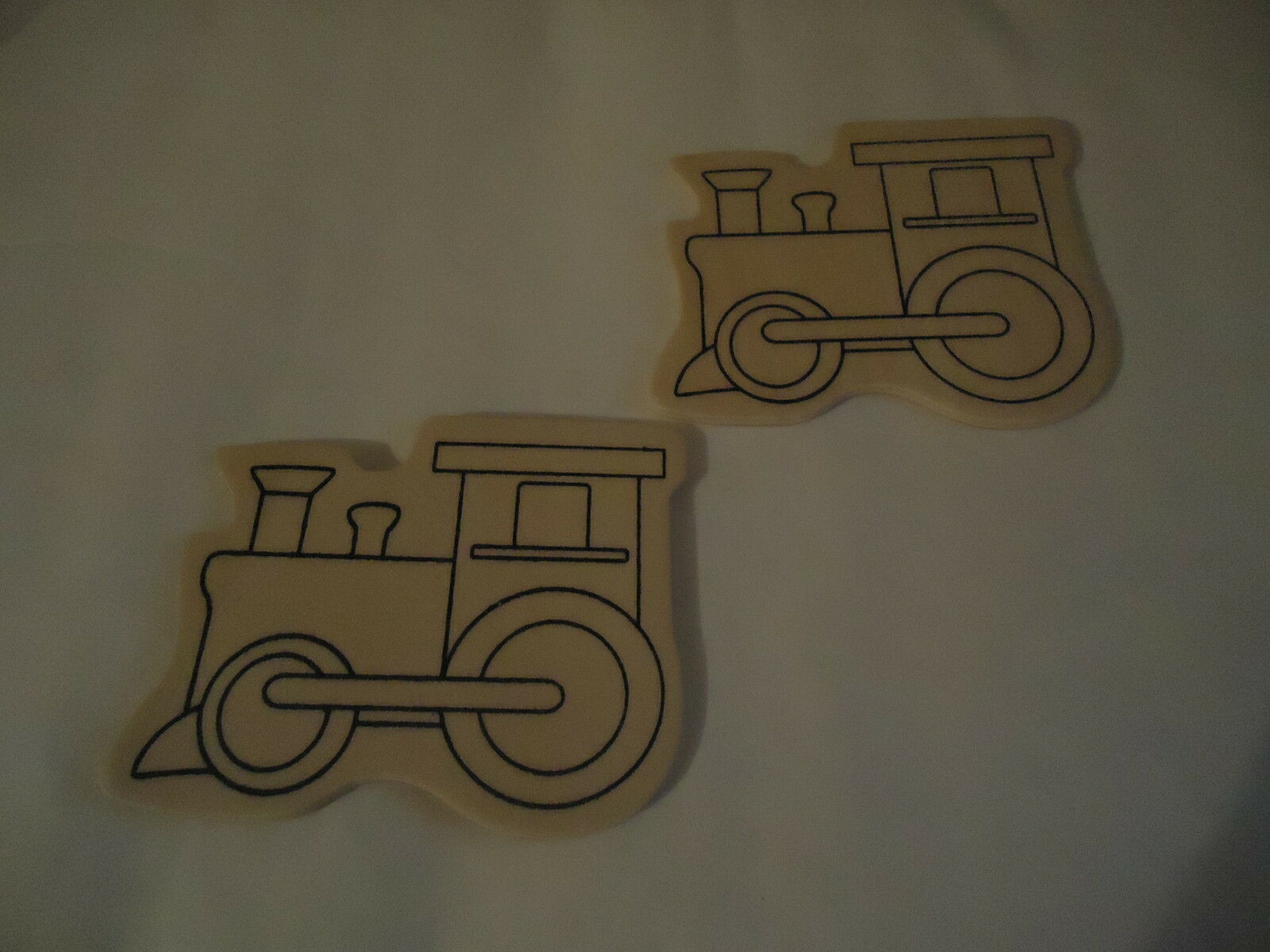 locomotive bois contreplaque a peindre lot de 2 eur 1 19 picclick fr. Black Bedroom Furniture Sets. Home Design Ideas