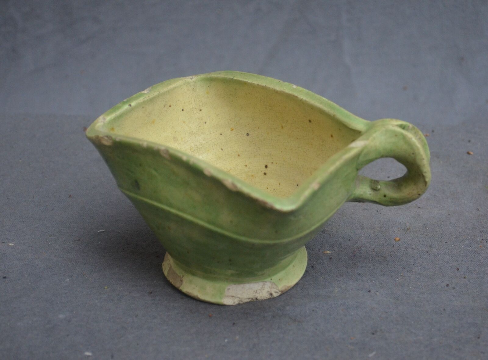 Nice 18th. Dutch pottery pipe bowl.