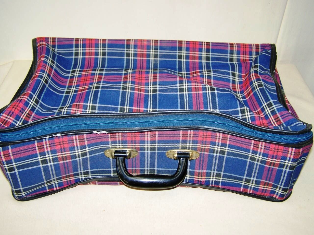 Old Suitcase,Folding suitcase Travel cases 1950s Years,Iconic,Retro Design,Check