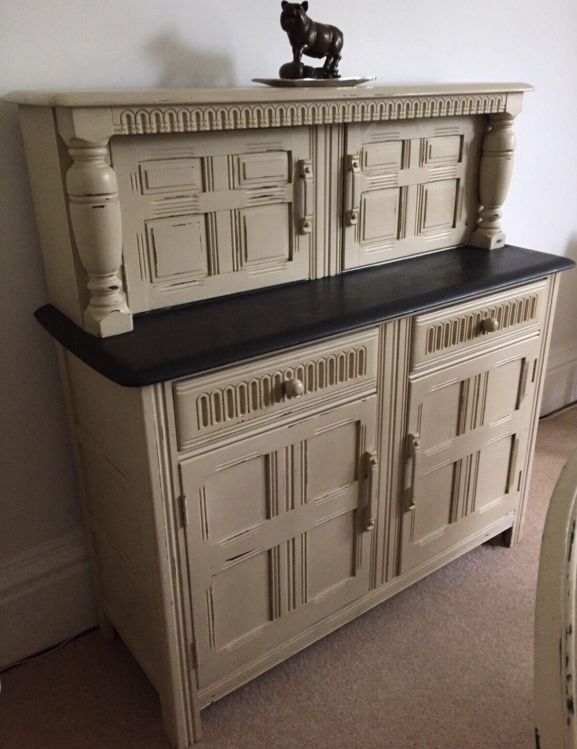 lovely vintage shabby chic buffet sideboard dresser 75. Black Bedroom Furniture Sets. Home Design Ideas