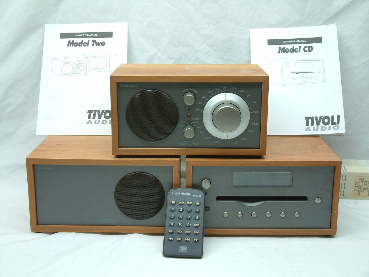 tivoli audio henry kloss am fm radio model two system cd. Black Bedroom Furniture Sets. Home Design Ideas