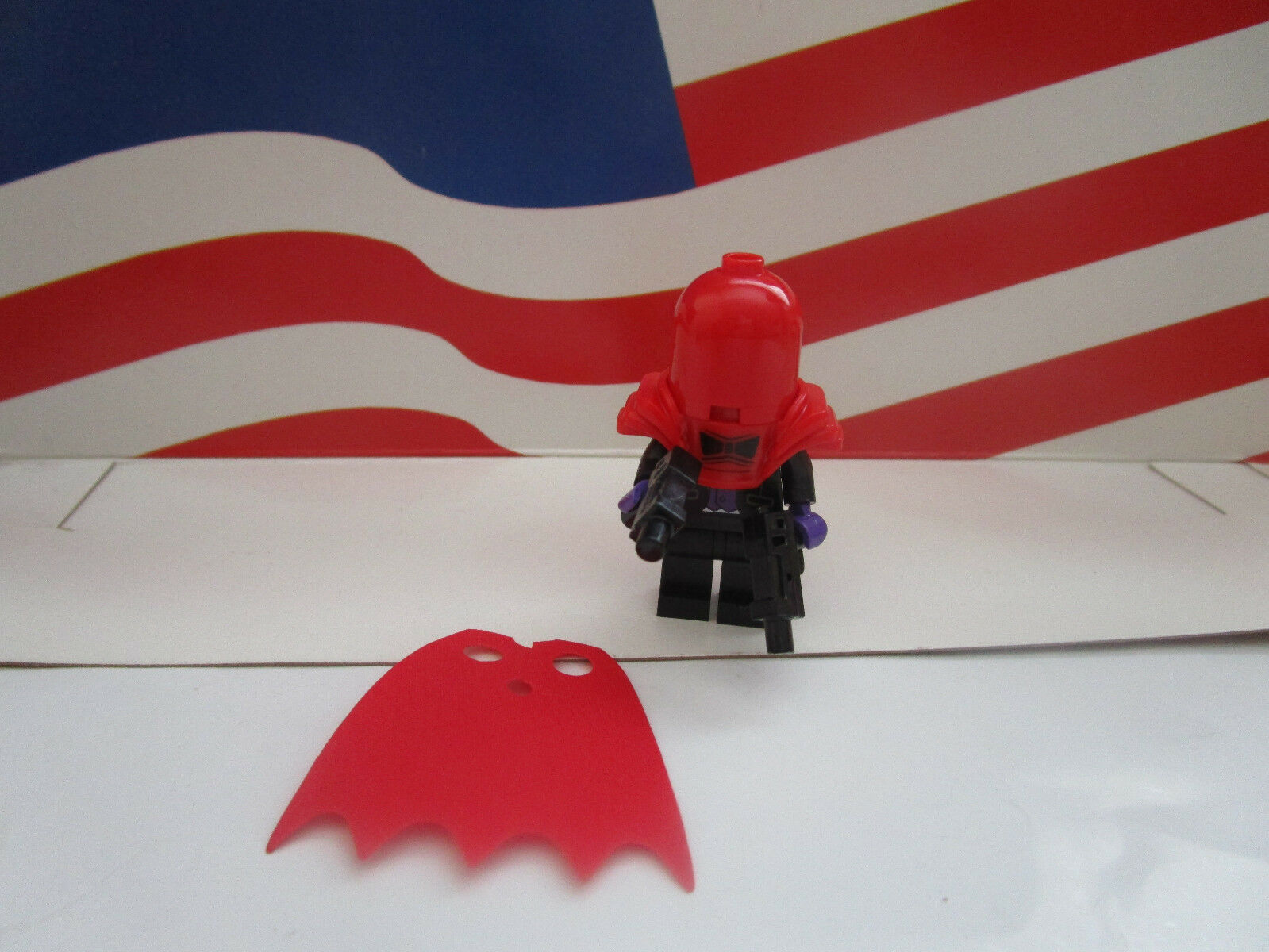 Lego Batman Movie Series Minifigure Red Hood With Cape 2 Guns 71017 Minifigures Box Of 60 1 2only Available