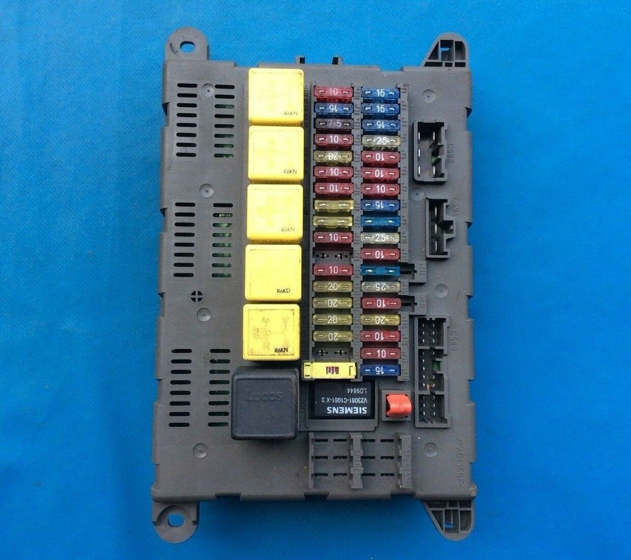 Land Rover Freelander Fuse Box Dashboard (Part Number: YQE102930) 1 of  2Only 5 available ...