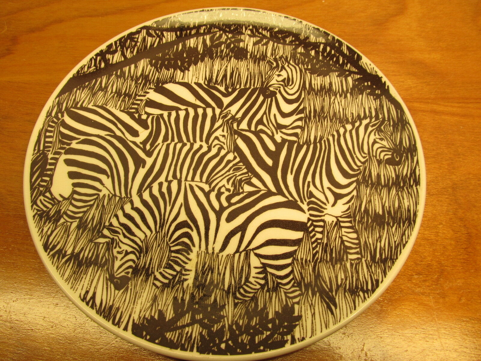 DECORATIVE ZEBRA PLATE made in Japan by vandor imports of San ...