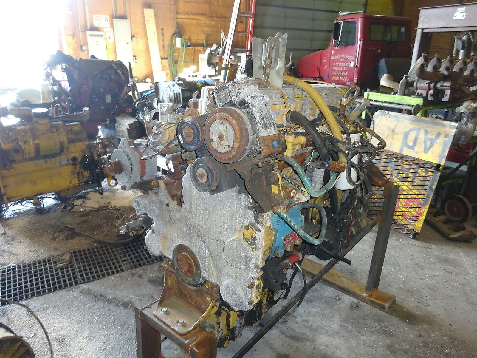 Caterpillar 3176 Diesel Engine TAKEOUT CORE JAKES 350 HP 9CK CAT Truck 1 of  5Only 1 available See More