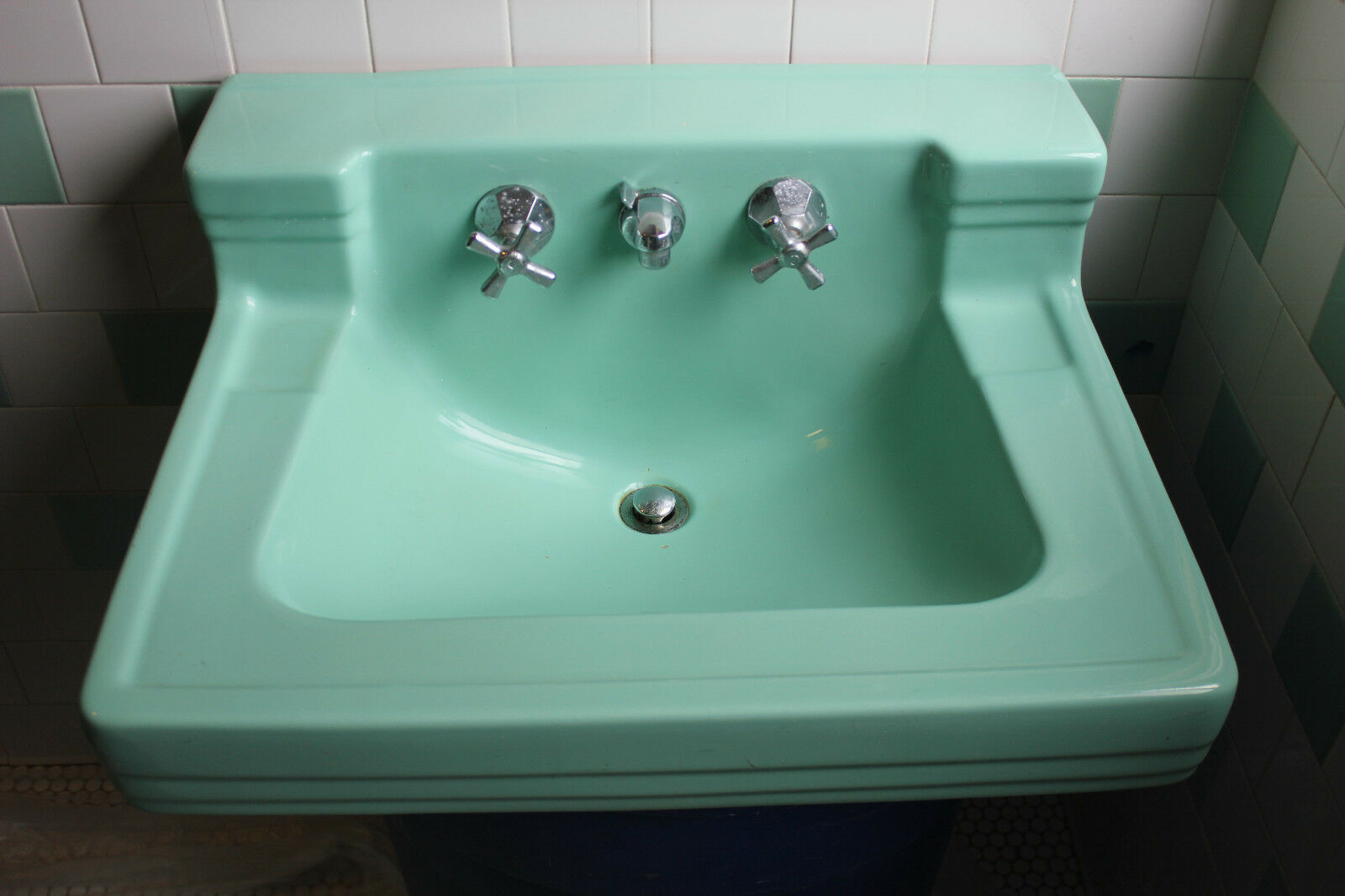 AMERICAN STANDARD BATHROOM Sink Ming Green vintage mid century Shelf ...