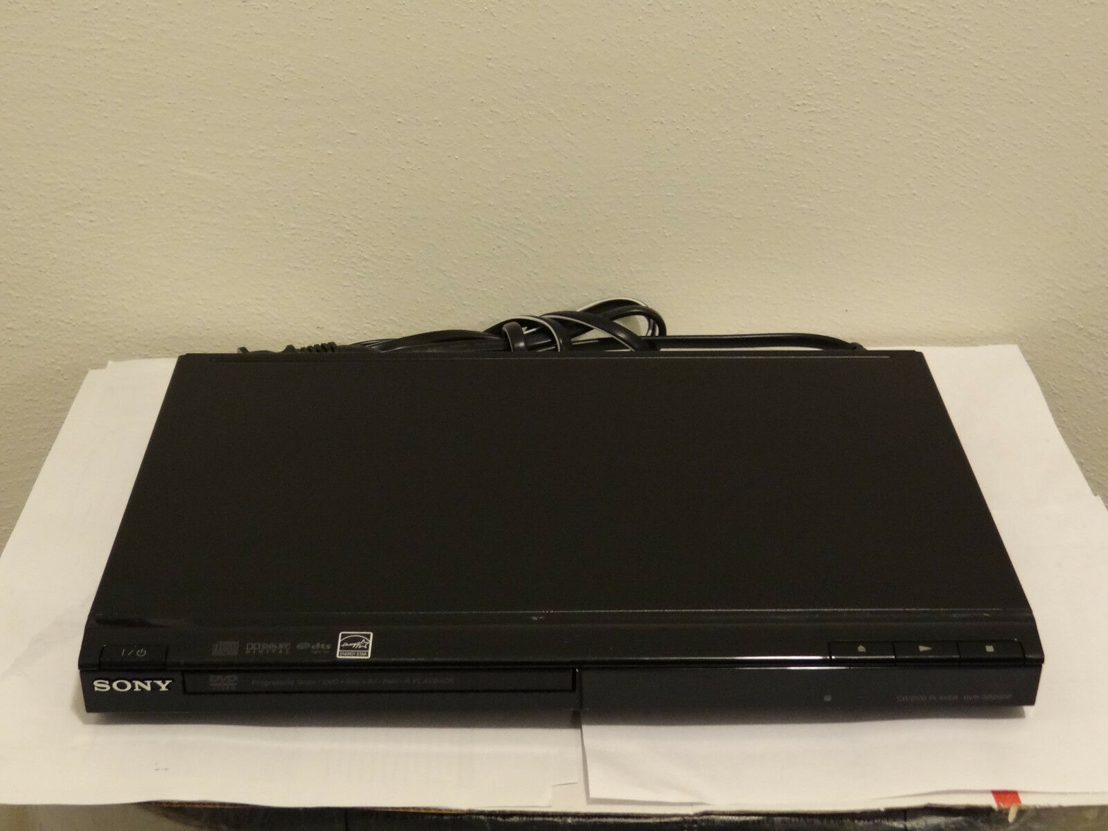 Sony DVP-SR200P Progressive Scan CD/DVD Player w/ A/V Cables 1 of 5Only 1  available ...