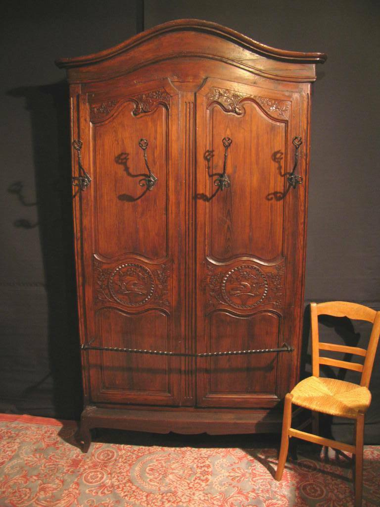 vestiaire porte manteau ancien fa ade armoire normande chapeau gendarme eur 350 00 picclick fr. Black Bedroom Furniture Sets. Home Design Ideas