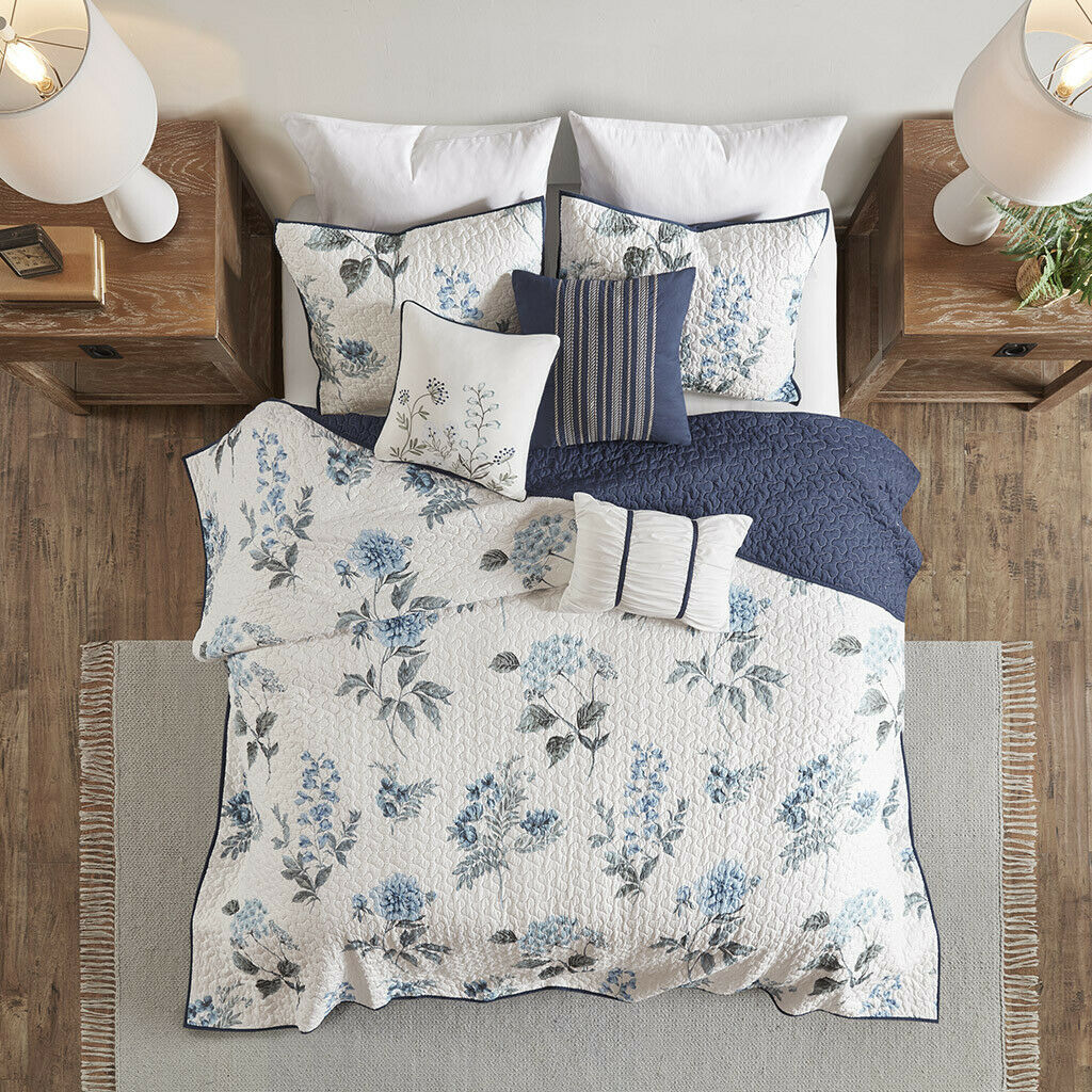 beautiful chocolate brown vine branch light blue comforter. Black Bedroom Furniture Sets. Home Design Ideas