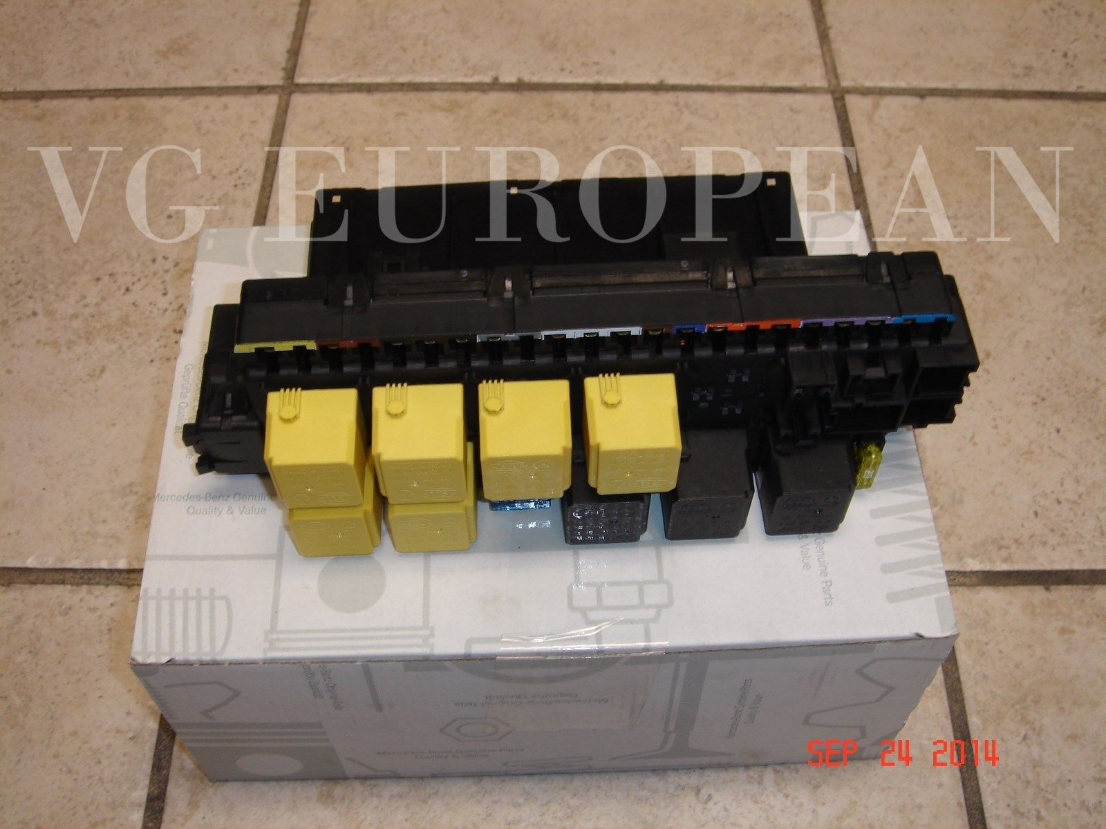 Mercedes Benz R230 Sl Class Genuine Front Fuse Relay Module Unit 2003 Slk 320 Box Diagram Sl500 Sl55 New 1 Of 3only 2 Available