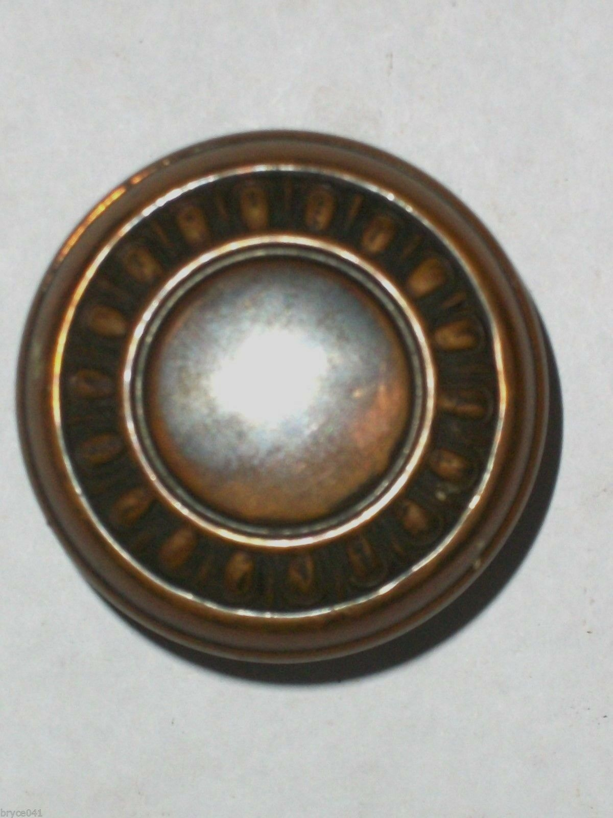 Antique Victoria Egg & Dart Design Door Knob