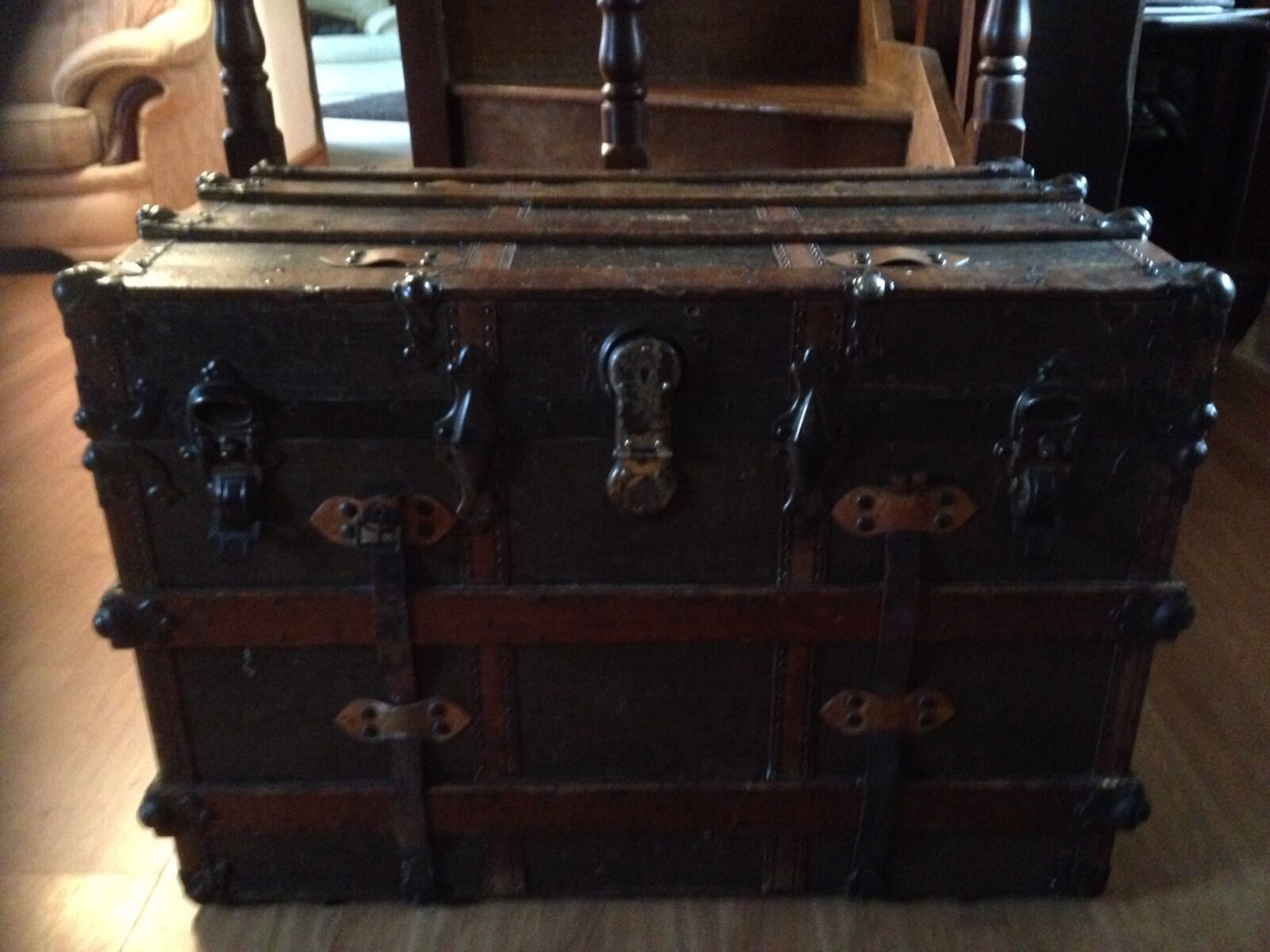 Antique Vintage Ships Trunk 19th Century, Collectable S S Friesland Ship