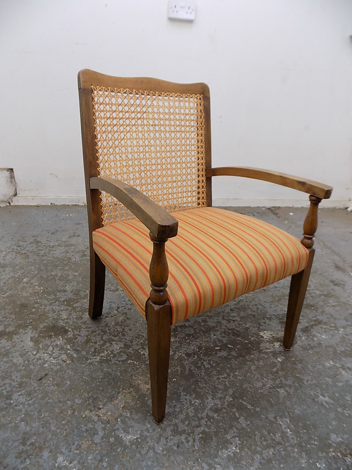 vintage,1940's,small,beech,wicker,arm chair,chair,conservatory,hall,bathroom,bed