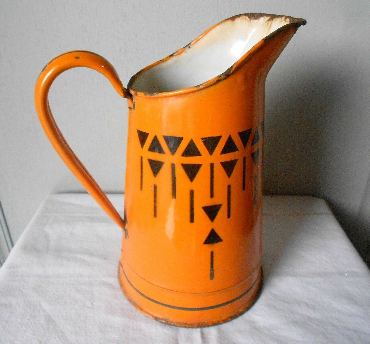 Antique ART DECO ENAMELWARE Body Pitcher black pattern