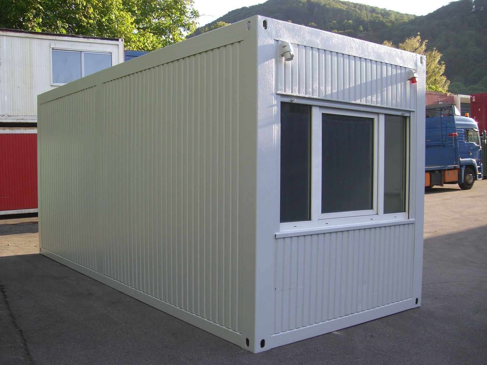 b rocontainer mietcontainer 6m x 2 5m wohncontainer. Black Bedroom Furniture Sets. Home Design Ideas