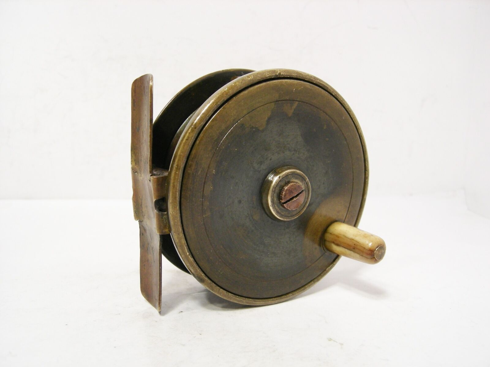 Vintage antique 3 brass platewind fly fishing reel 49 for Antique fishing reels