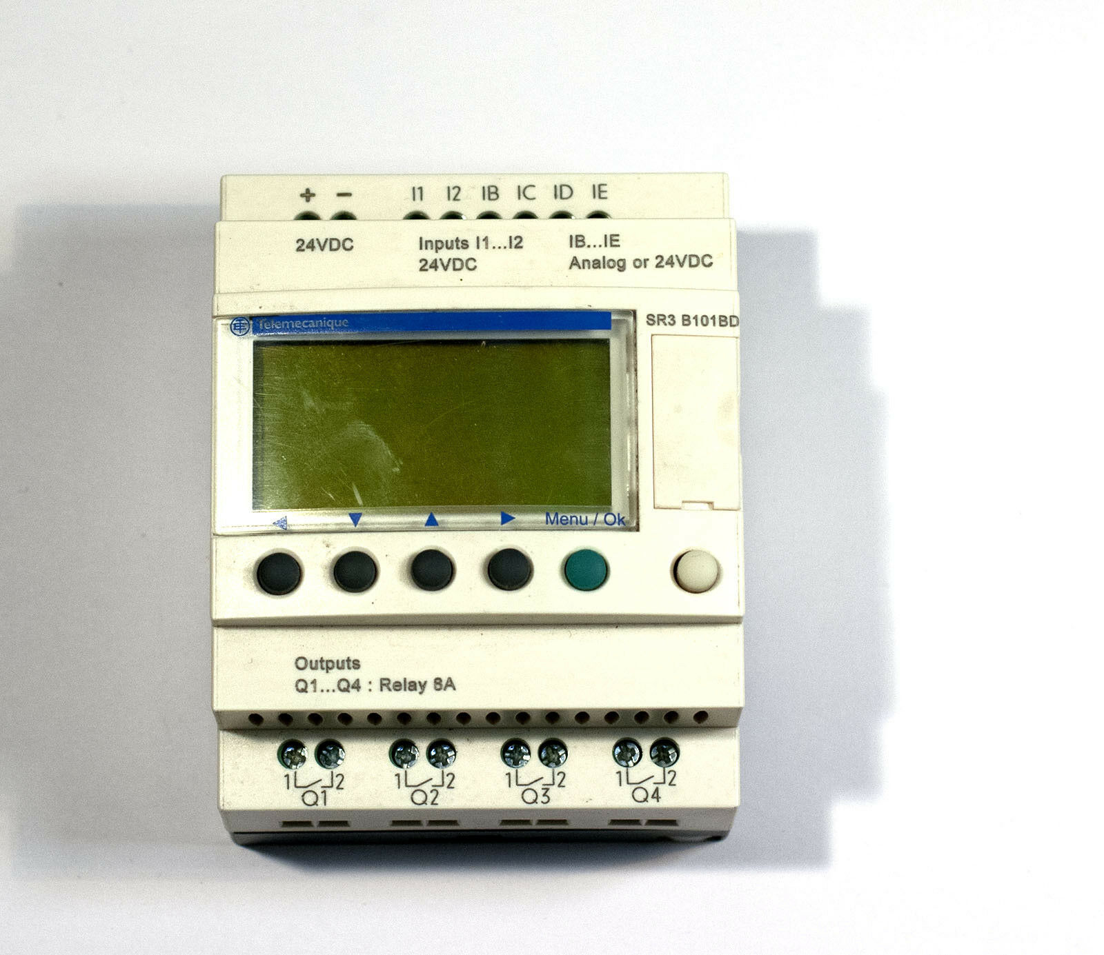 Schneider Electric Modular Smart Relay 10 I O 24vdc Clock Disp Under Current 1 Of 2only Available