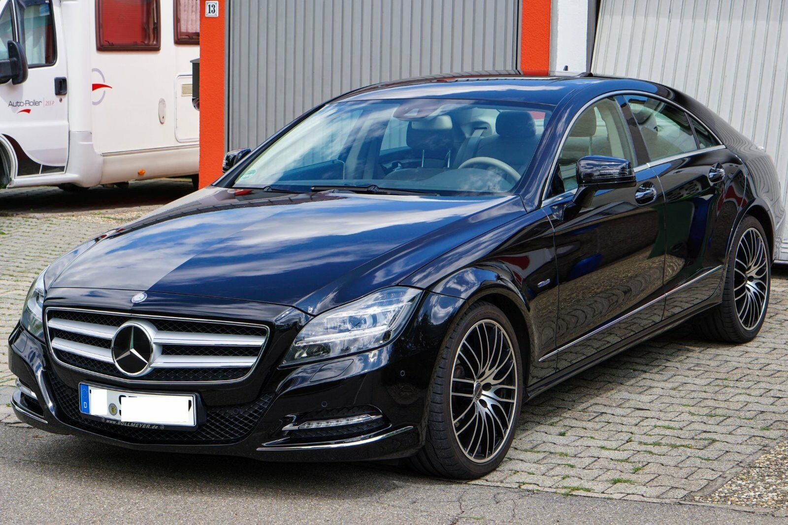 mercedes cls 350 cdi w218 vollaustattung 2jahre junge. Black Bedroom Furniture Sets. Home Design Ideas