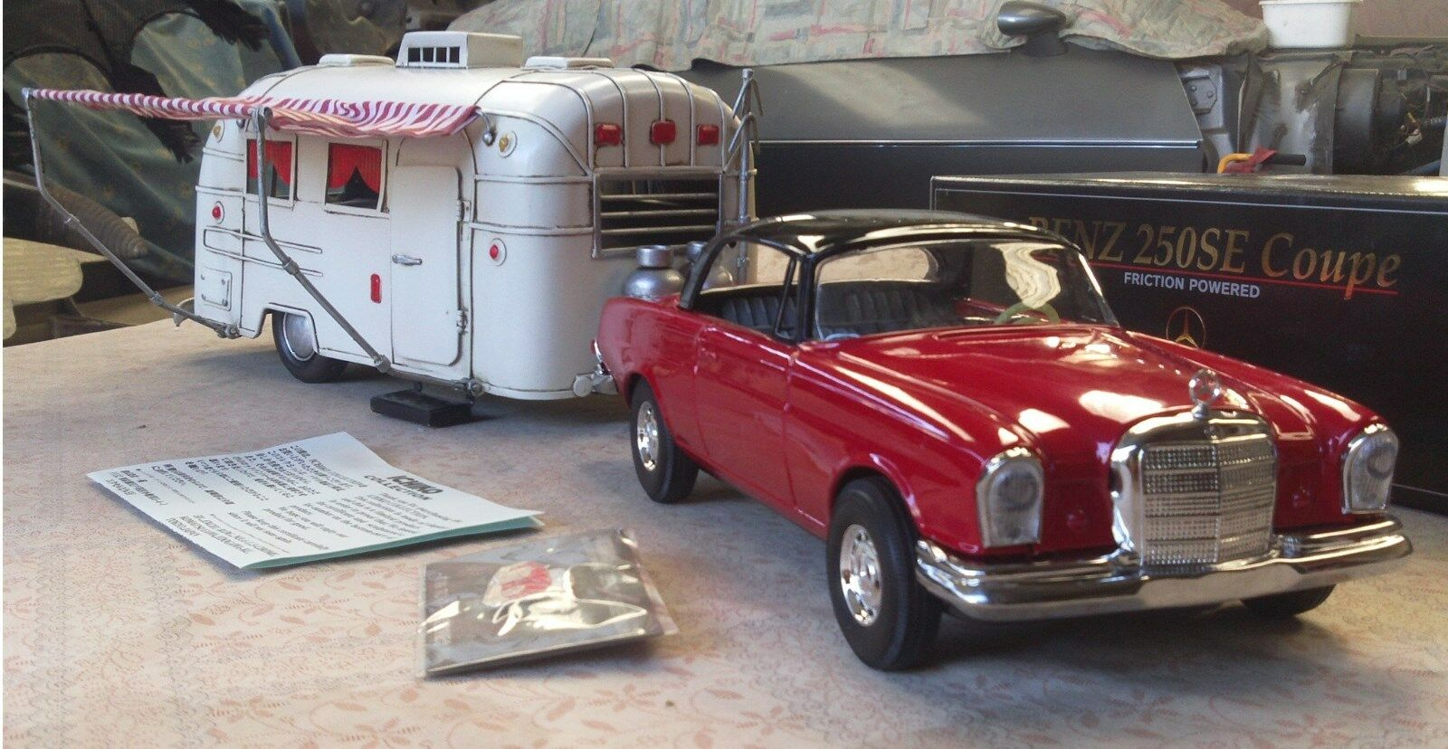 Vintage tin friction car mercedes benz 250 se with for Mercedes benz airstream